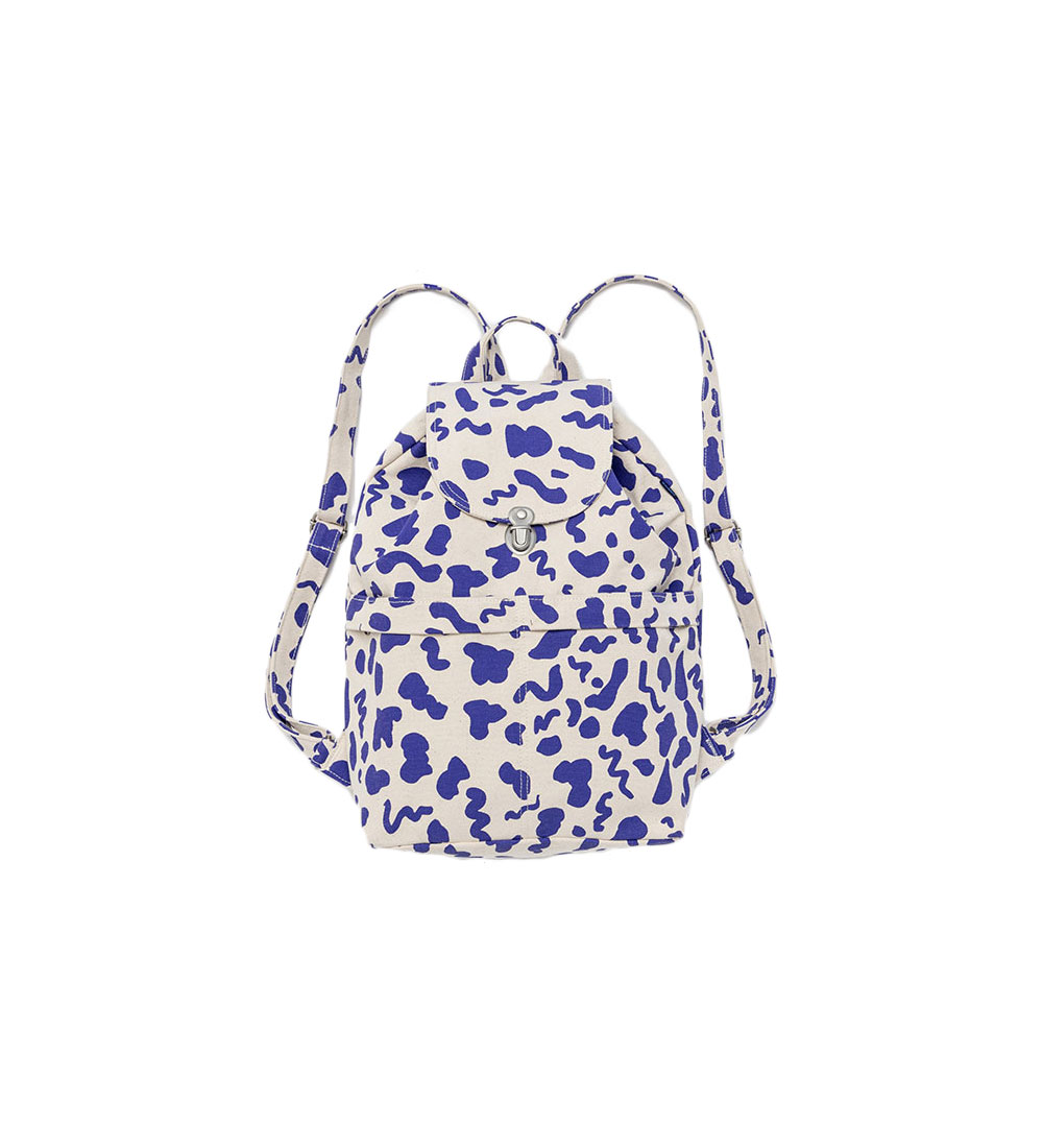 03a01acad33 10 Stylish School Bags for College Students   Real Simple