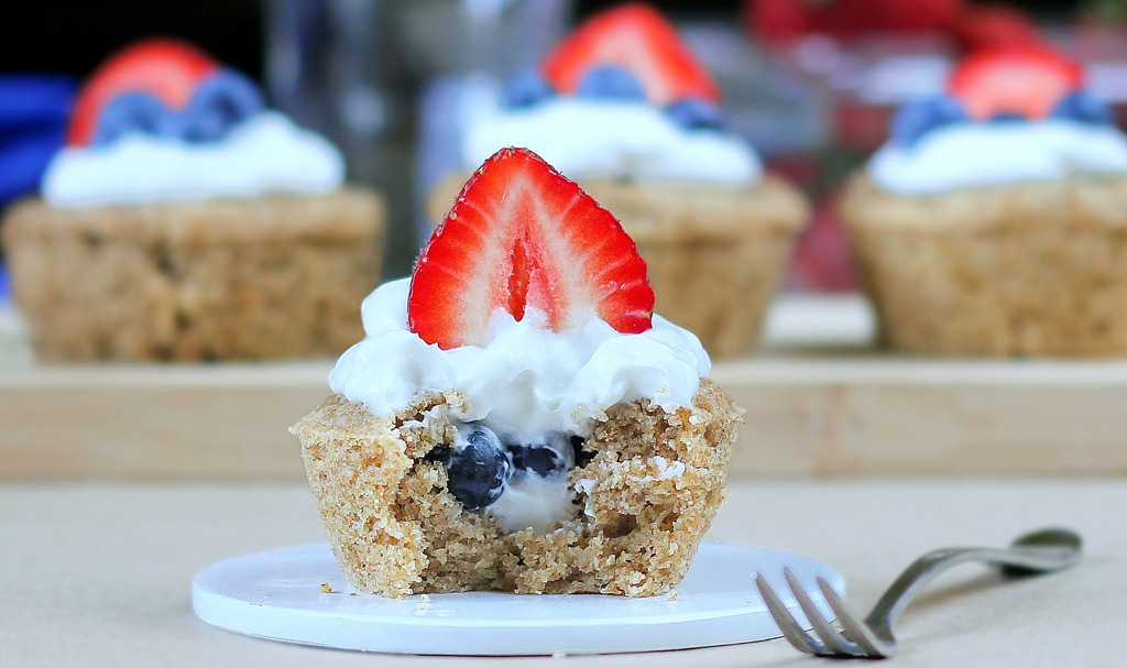 Berry Stuffed Breakfast Cupcakes