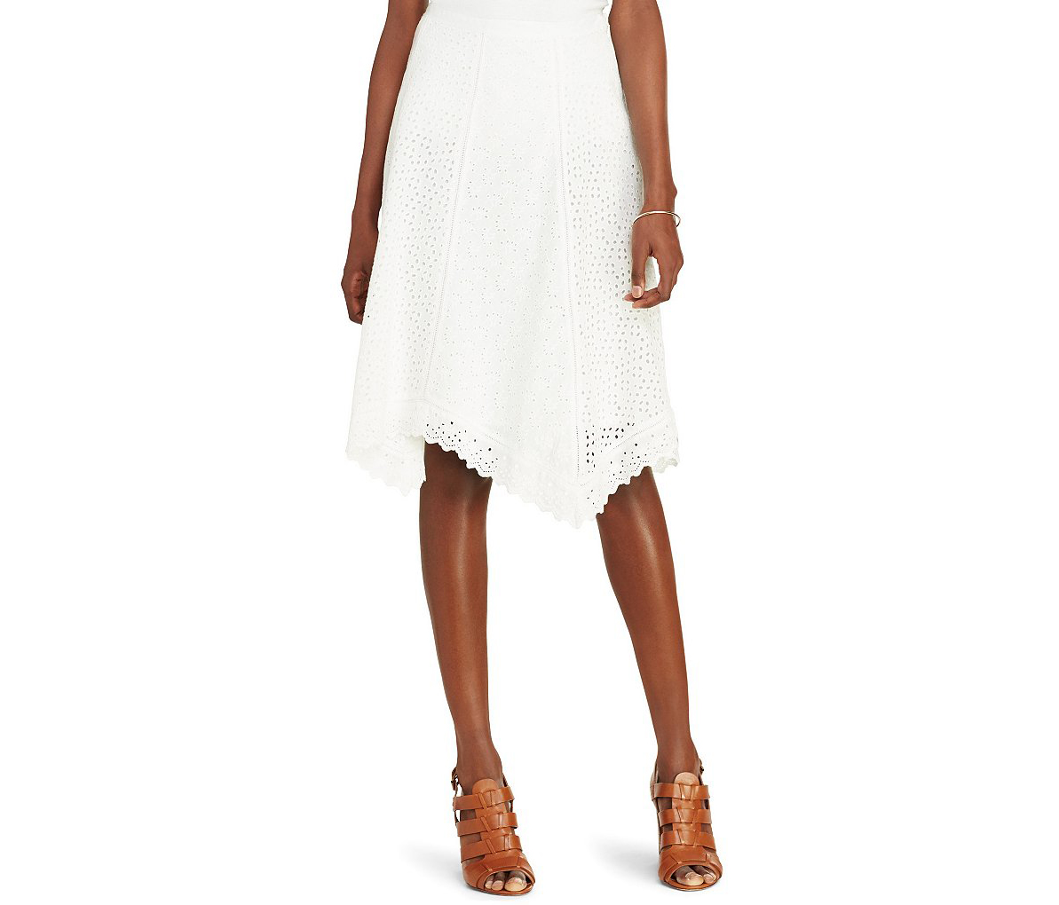 f13fa112a5e The 8 Most Fashionable Finds at Dillards Right Now   Real Simple