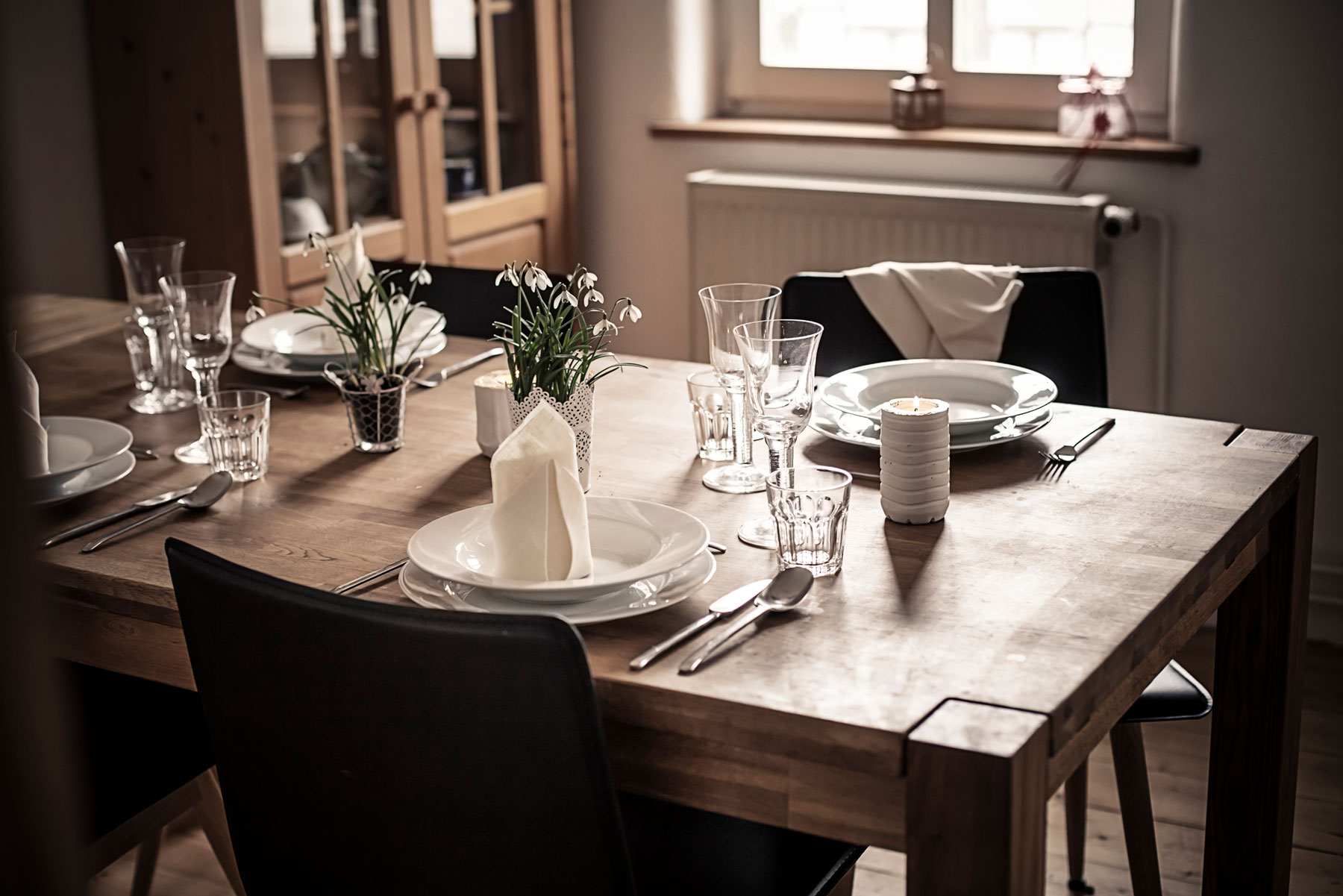 9 Things in Your Dining Room You Should Ditch ASAP