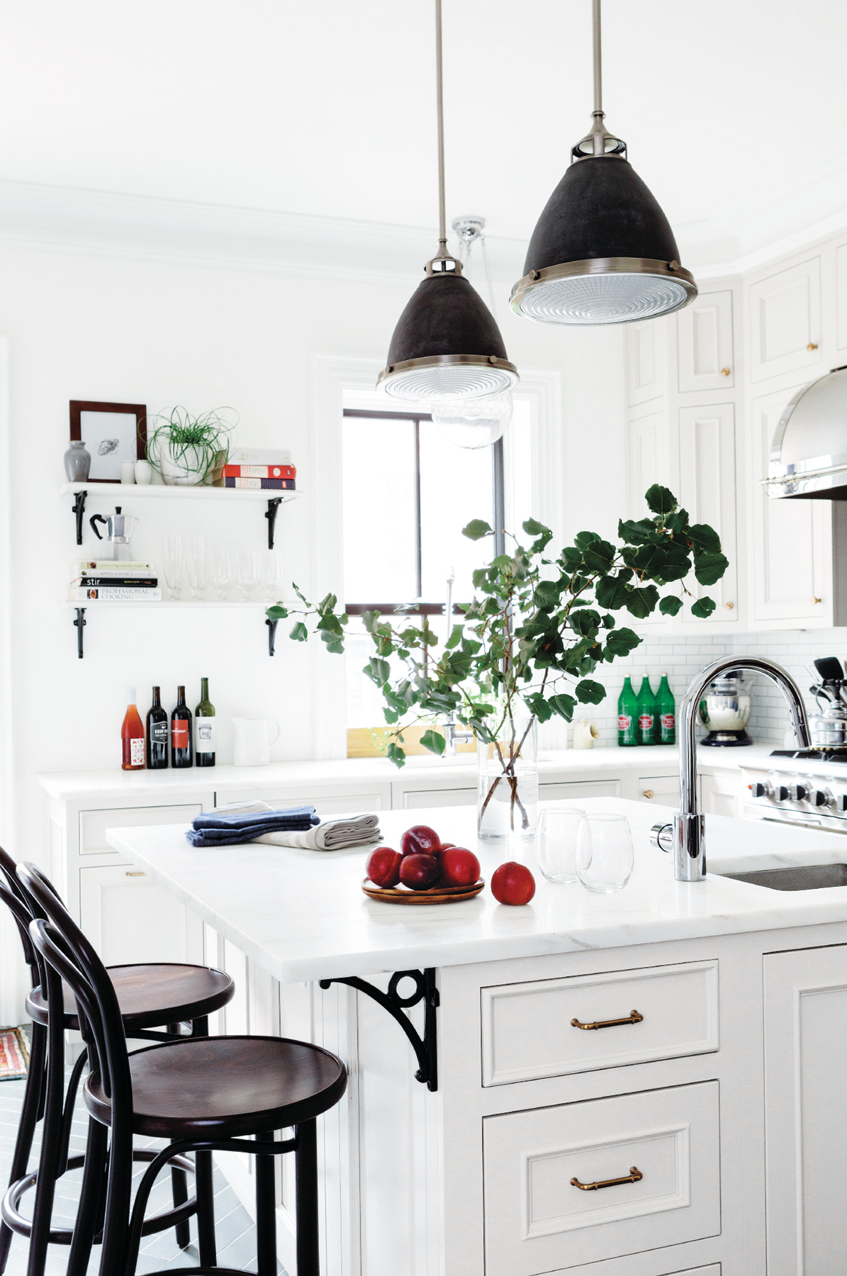 5 Pro-Approved Ways to Make a Small Kitchen Look Bigger | Real Simple