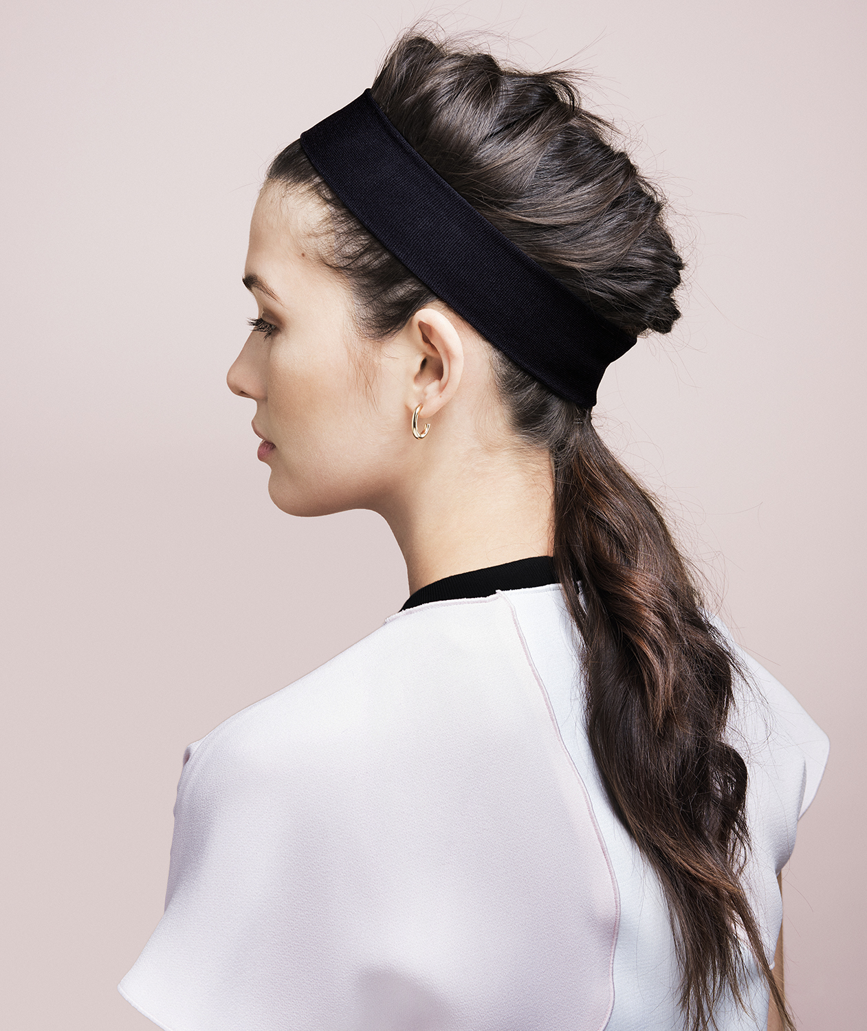 Model with french braid