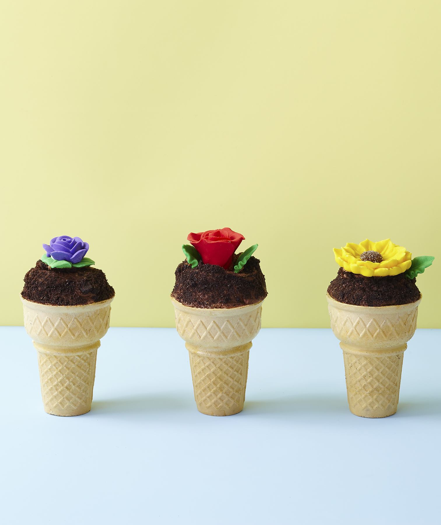 flower-pot-cupcake-cones