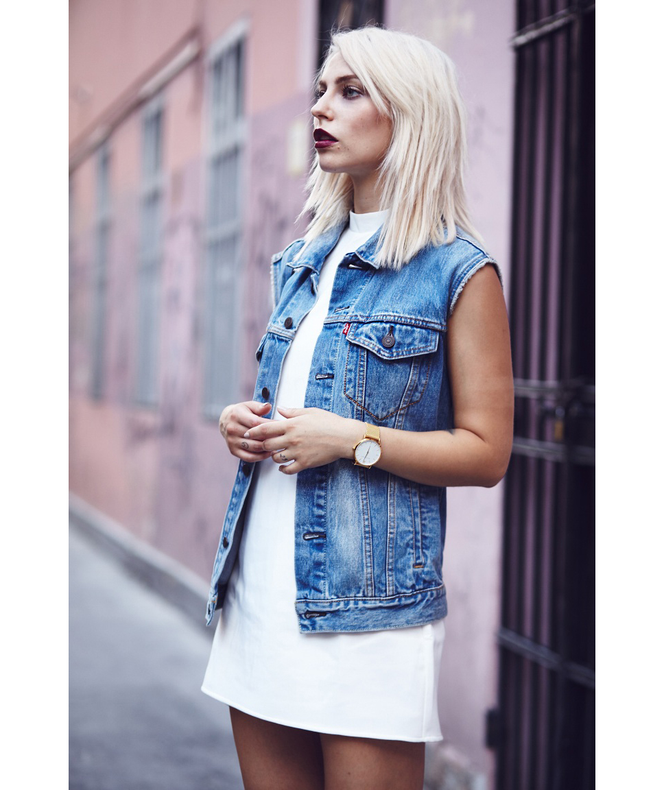b593860d2 How to Wear a Jean Jacket With Any Outfit | Real Simple