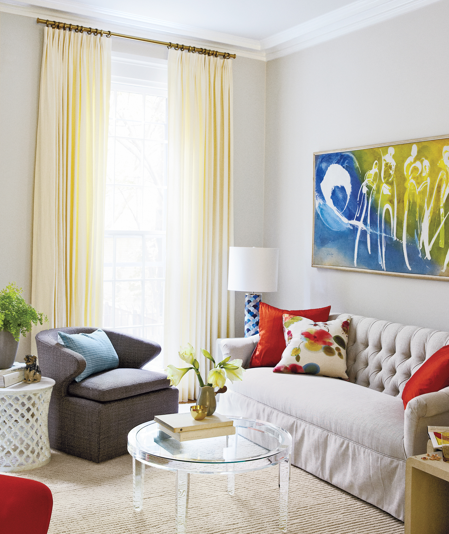 7 Expert Home Staging Tips You Can Do Yourself | Real Simple on home selling tips, home stager, insurance tips, home color tips, home organizing, nate berkus painting tips, home maintenance tips, home management tips, landscaping tips, staging a home, home packing tips, real estate staging, home staging business, real estate tips, home real estate, home security tips, home decor tips, home black and white, home inspection tips, home audio tips, home remodeling tips, home tips and tricks, home construction tips, vacant home staging, home survival tips,