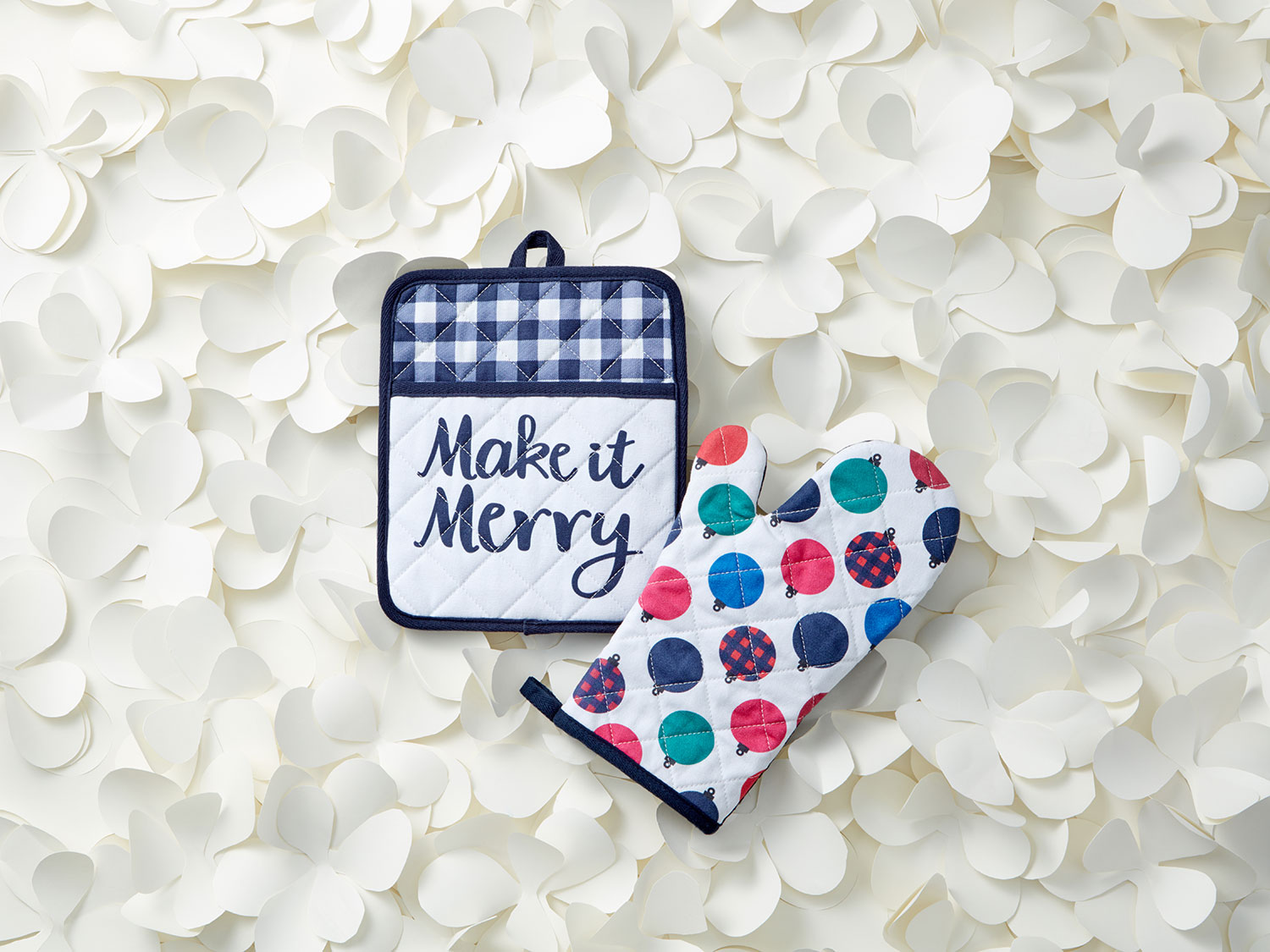 Make It Merry Oven Mitt Set