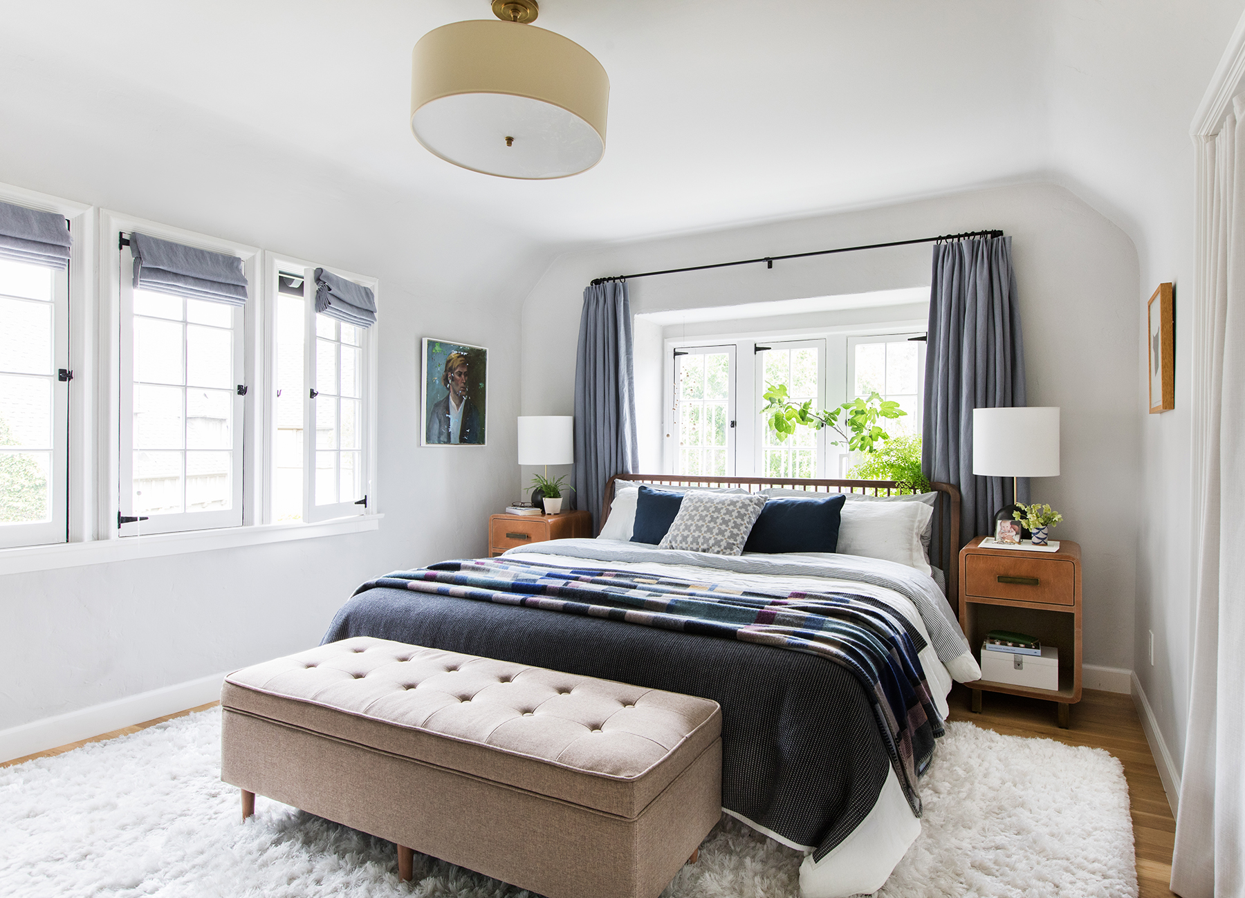 Tour emily henderson s new los angeles house real simple for The master bedroom tessa hadley