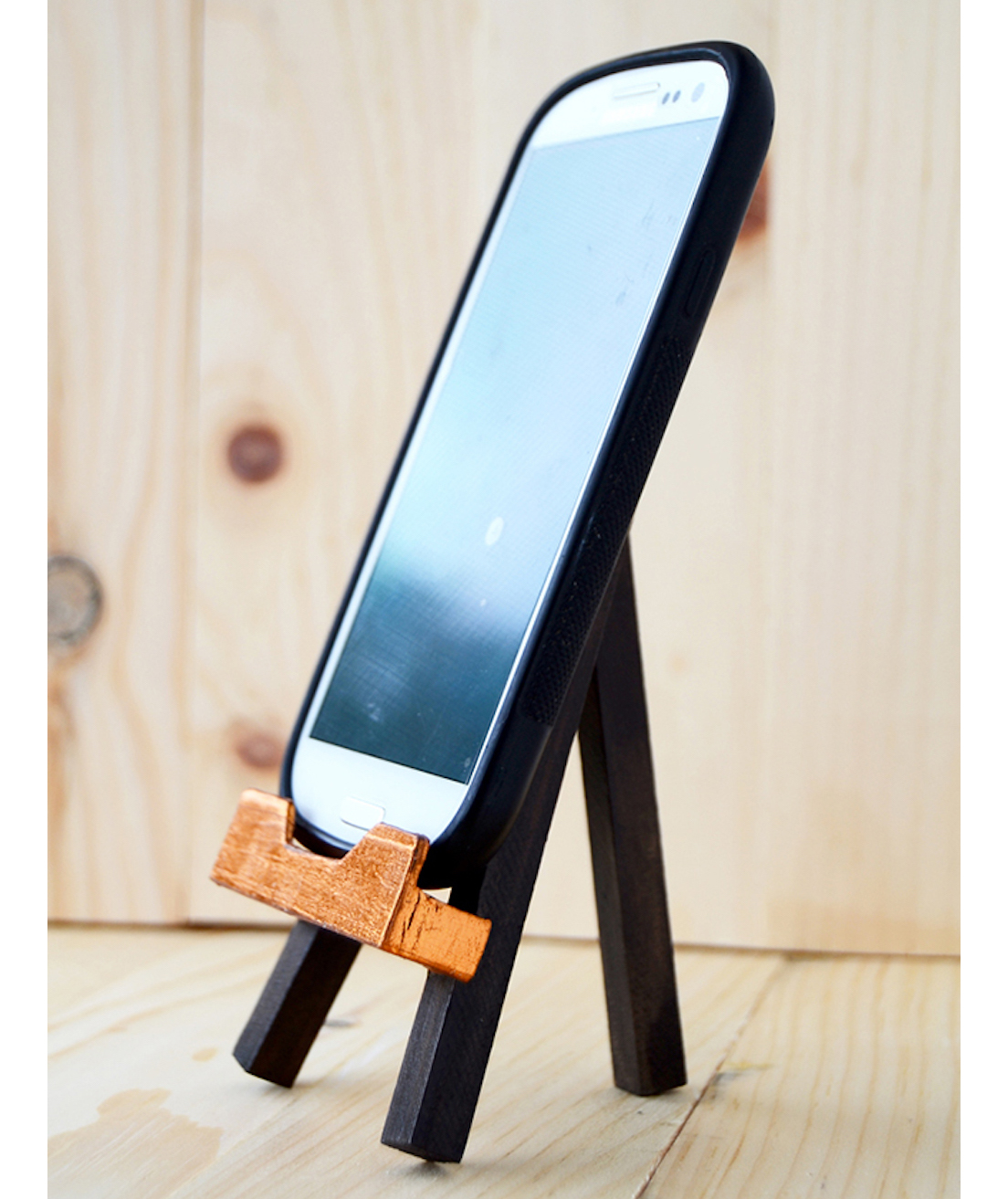 easel-phone-stand