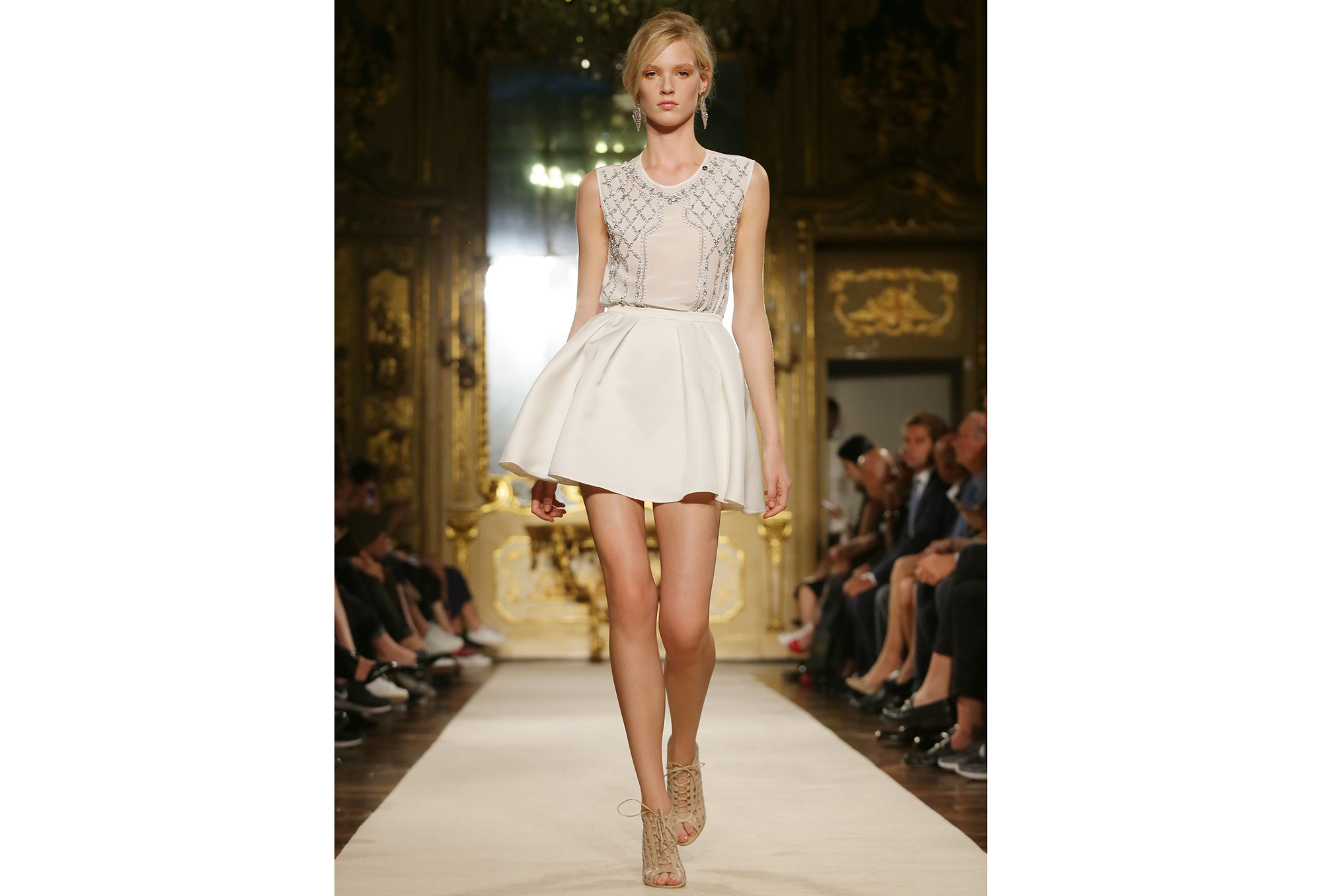 Sleeveless top with sequins with short skirt