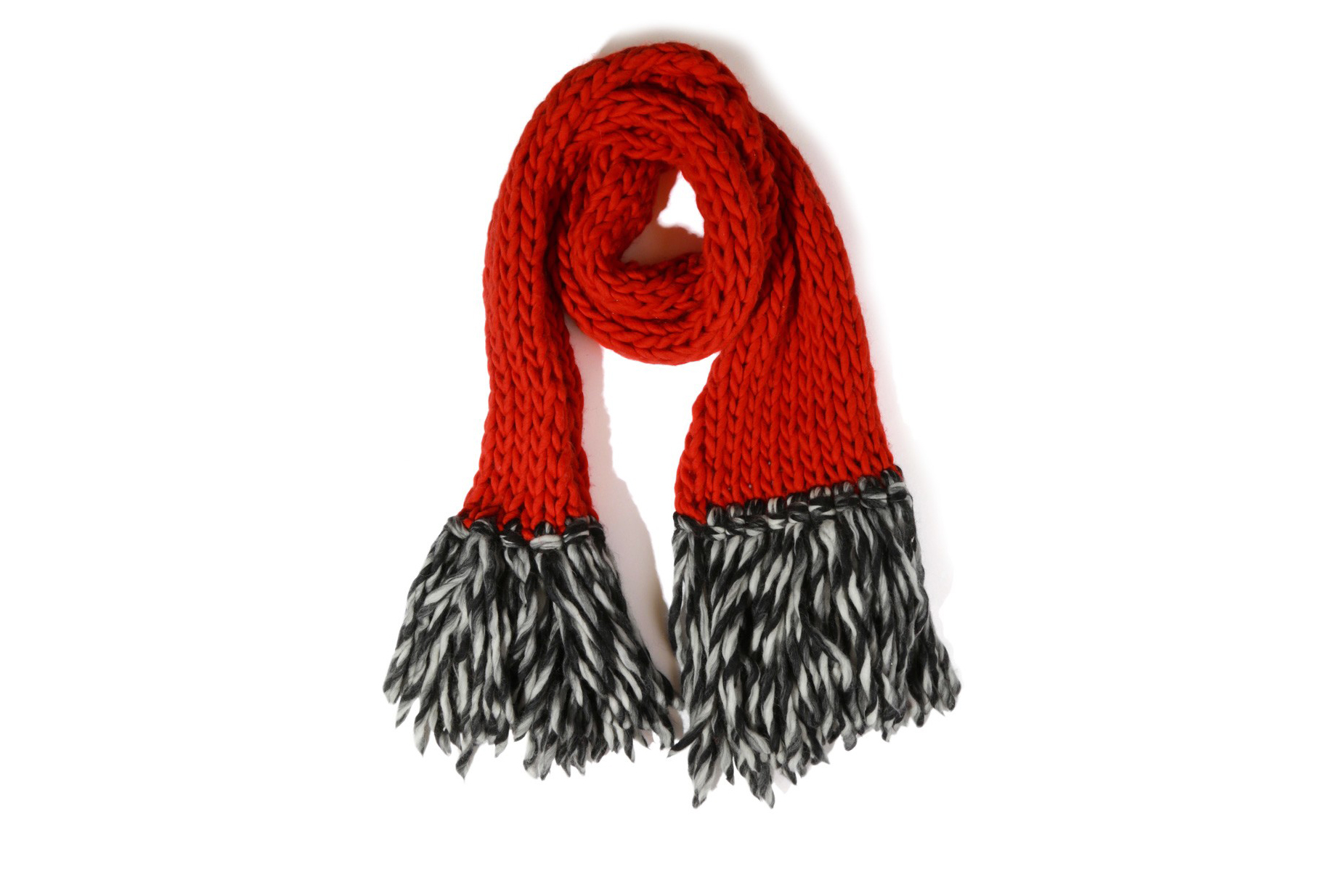 7 Cozy Knitting Accessories to Warm Up Your Winter