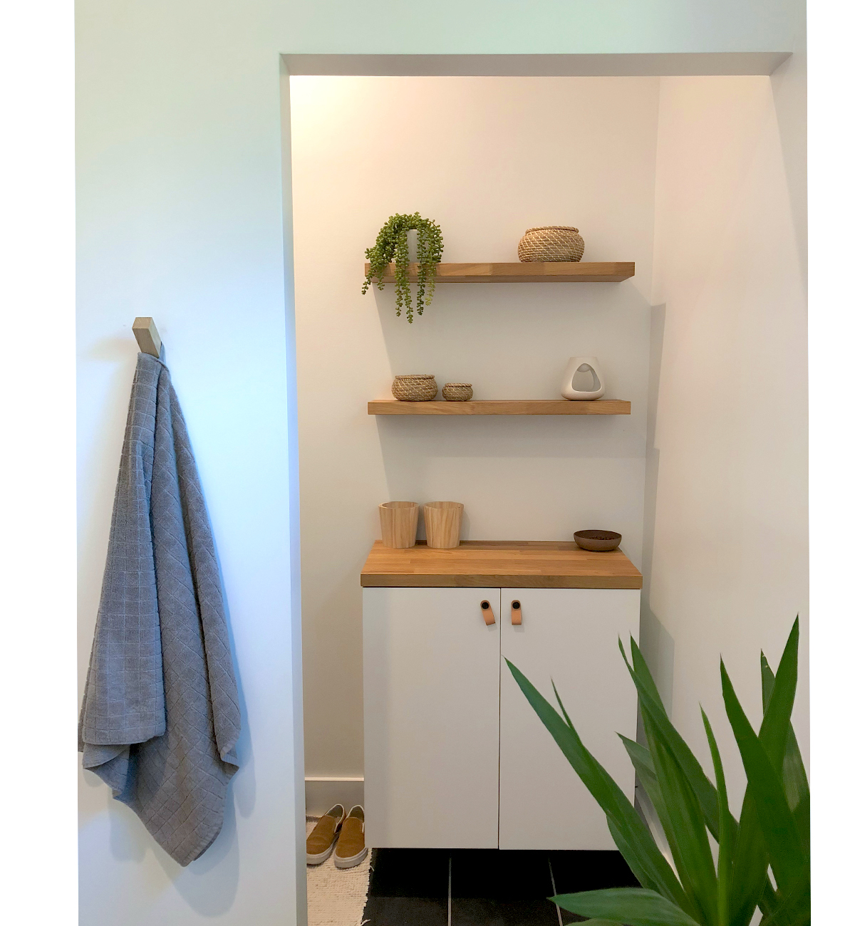 Stacy Allen Bathroom Shelves