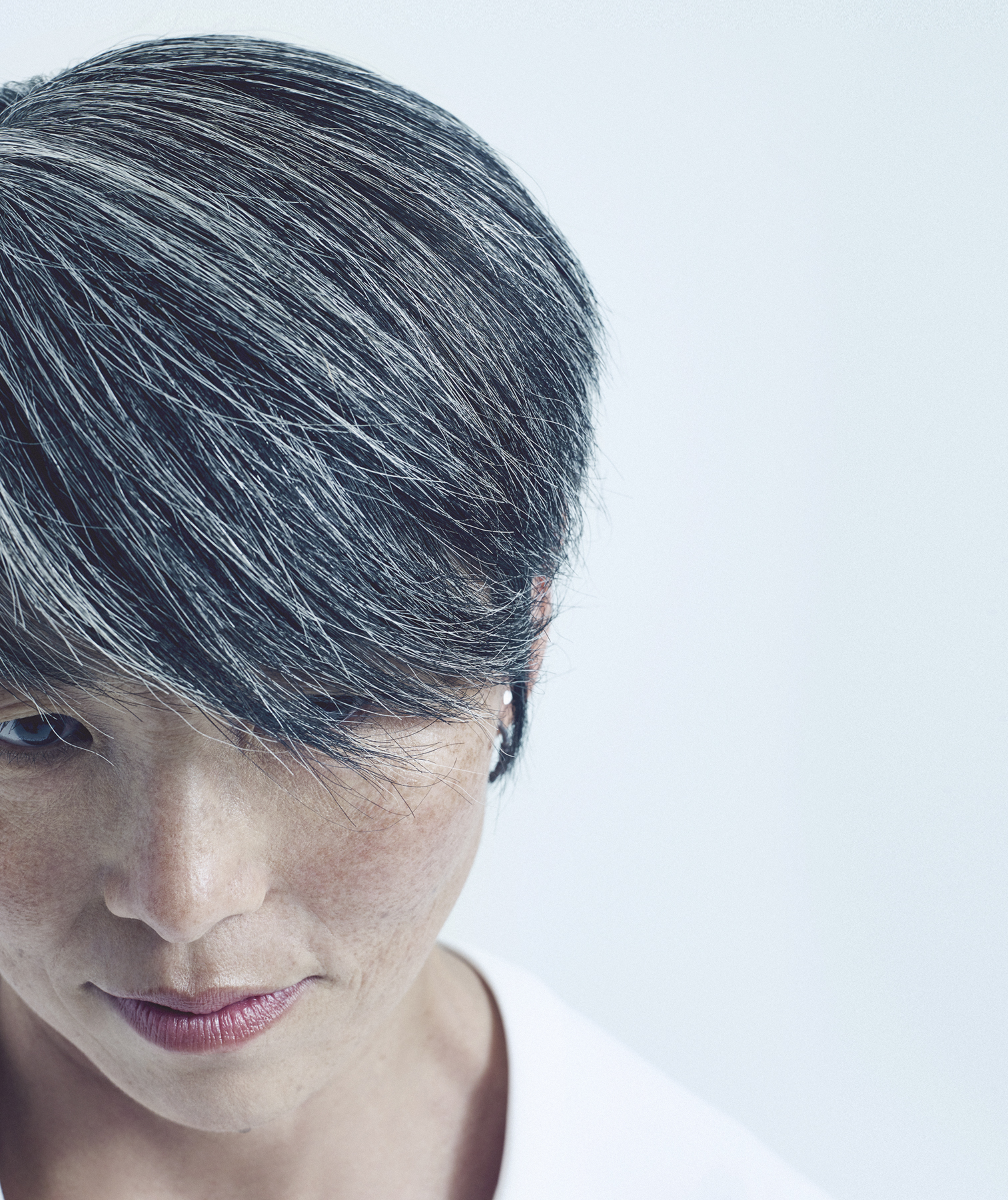 gray-hair-above