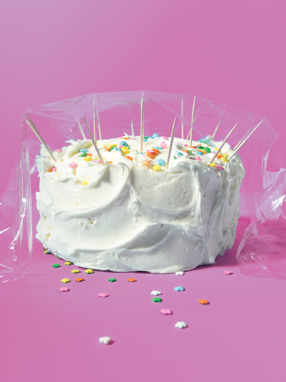 Toothpicks as Frosting Protector