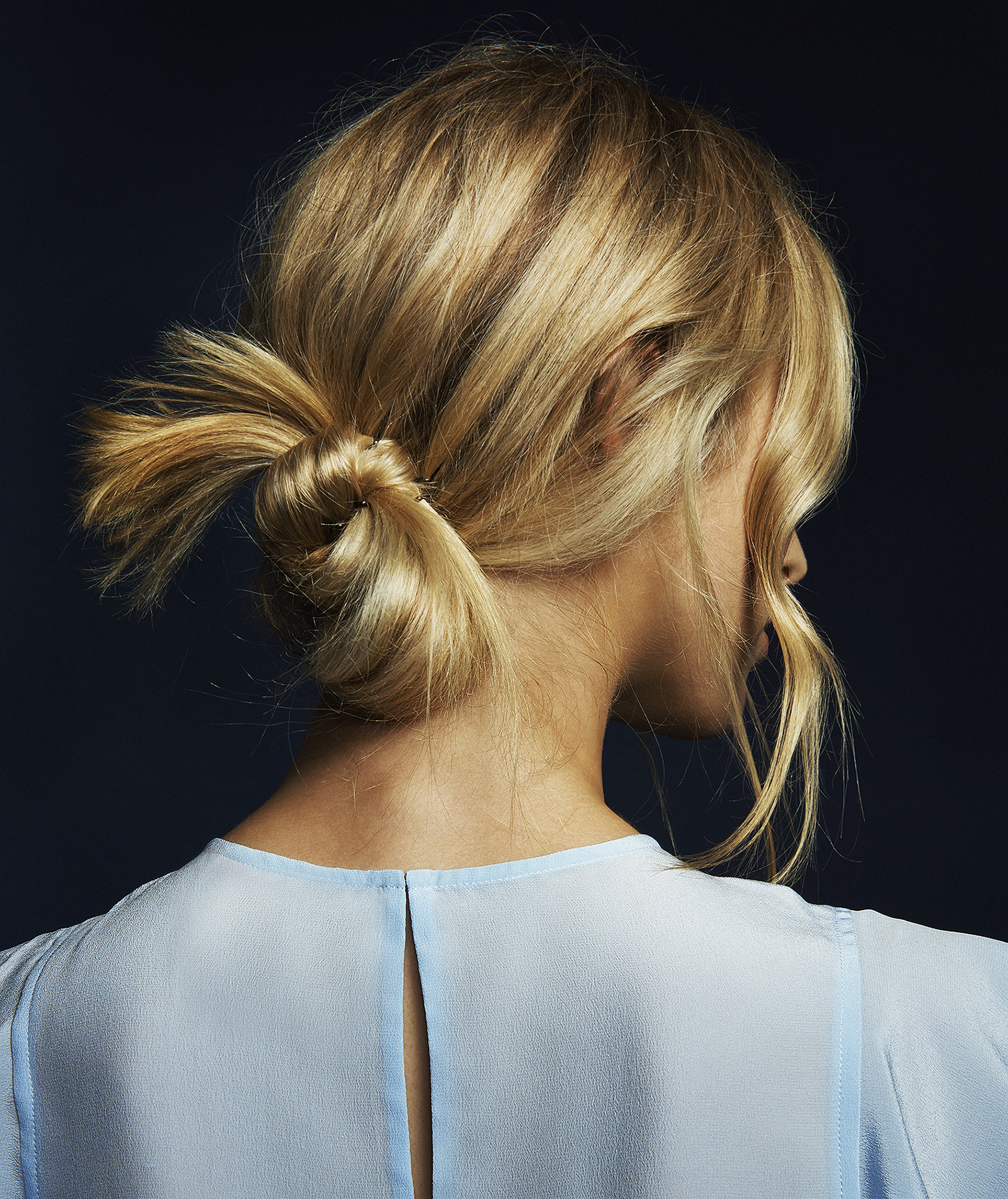 how-to-do-a-messy-bun