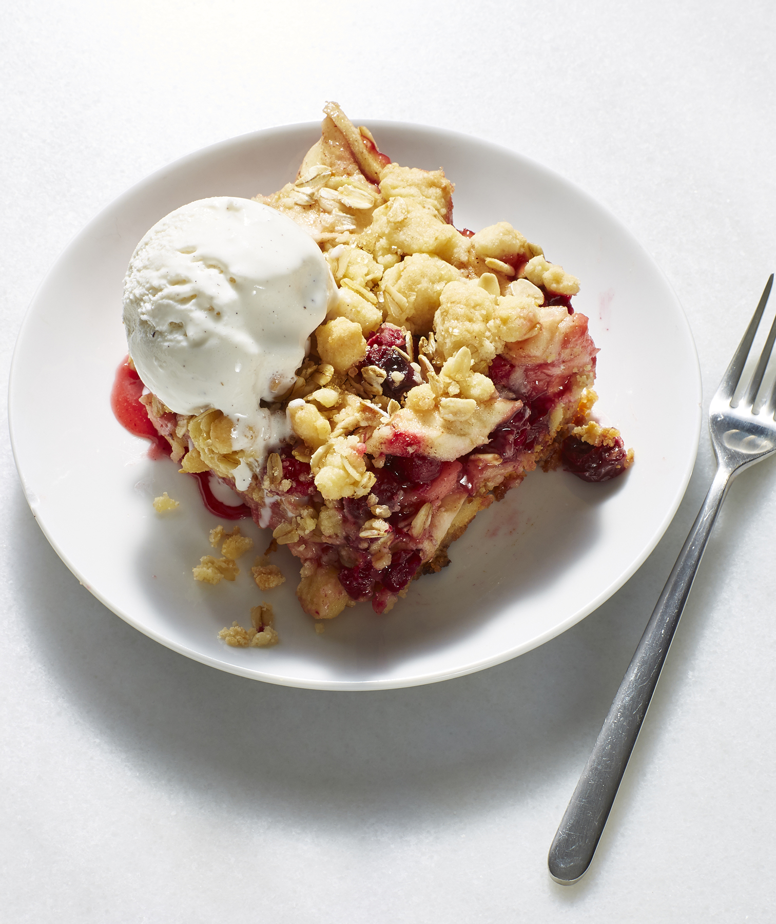 Cran-Apple Pie Bars With Oat Crumble