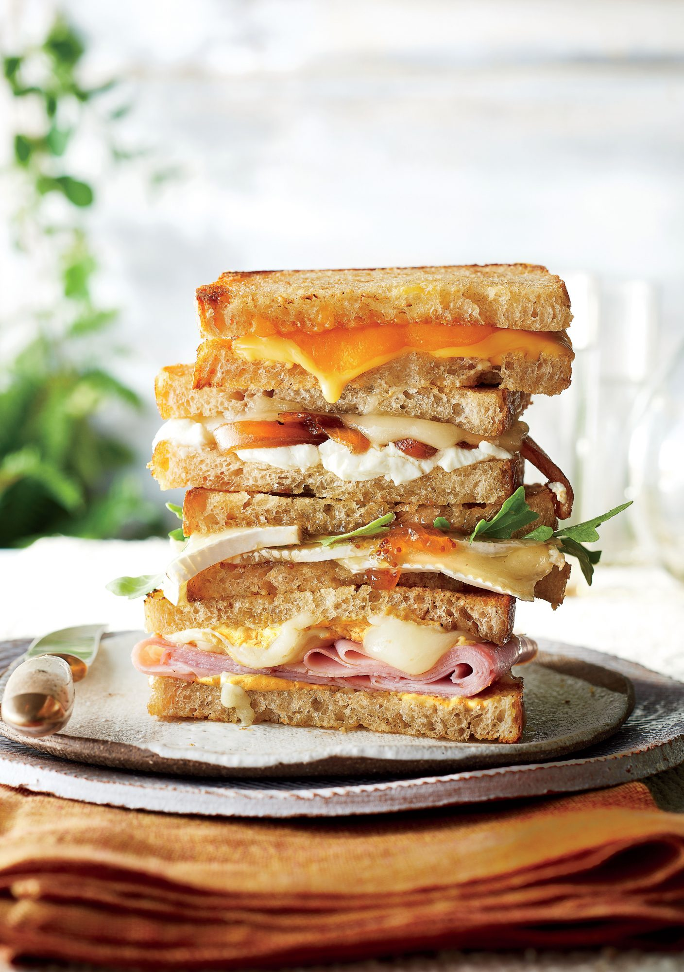 Brie, Fig, and Arugula Grilled Cheese Recipe