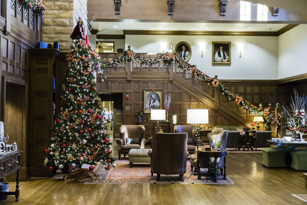 Christmas In Tennessee.Head To Tennessee To Experience The Christmas Mountain Magic
