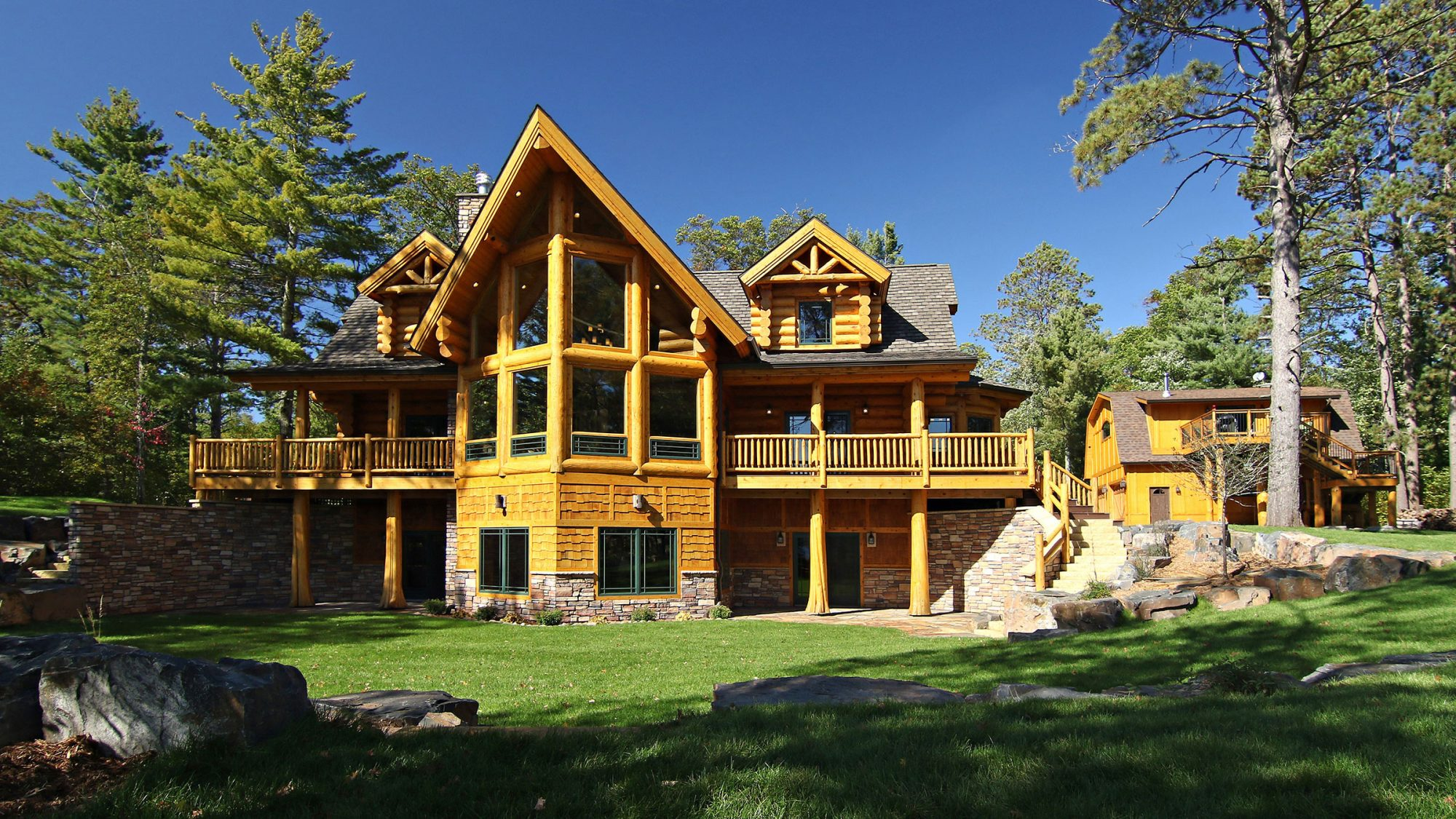 This sprawling log home for sale in alabama puts for Large cabin kits