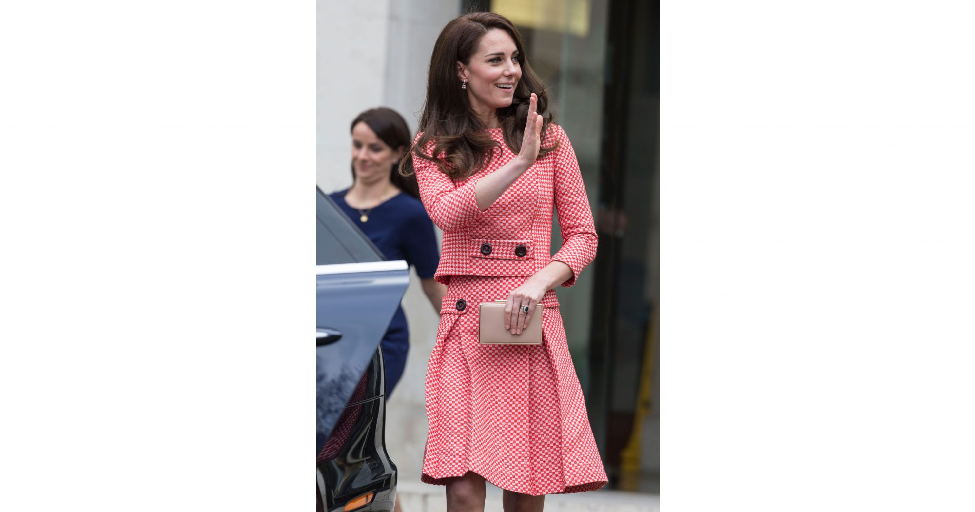 kate-middleton-christmas-check-outfit