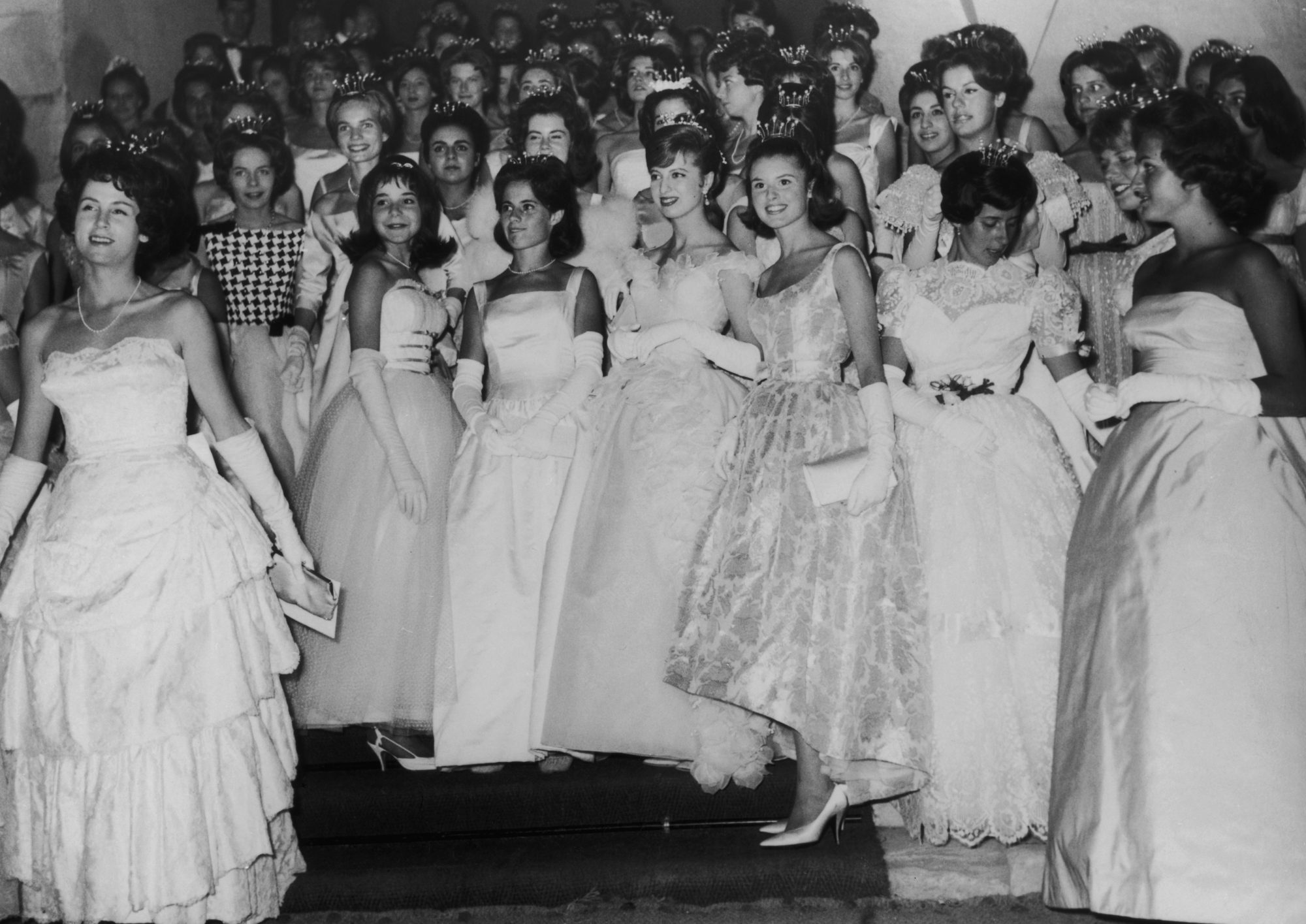 What's Appropriate Attire for Guests Attending a Debutante Ball Debutante Ball Picture