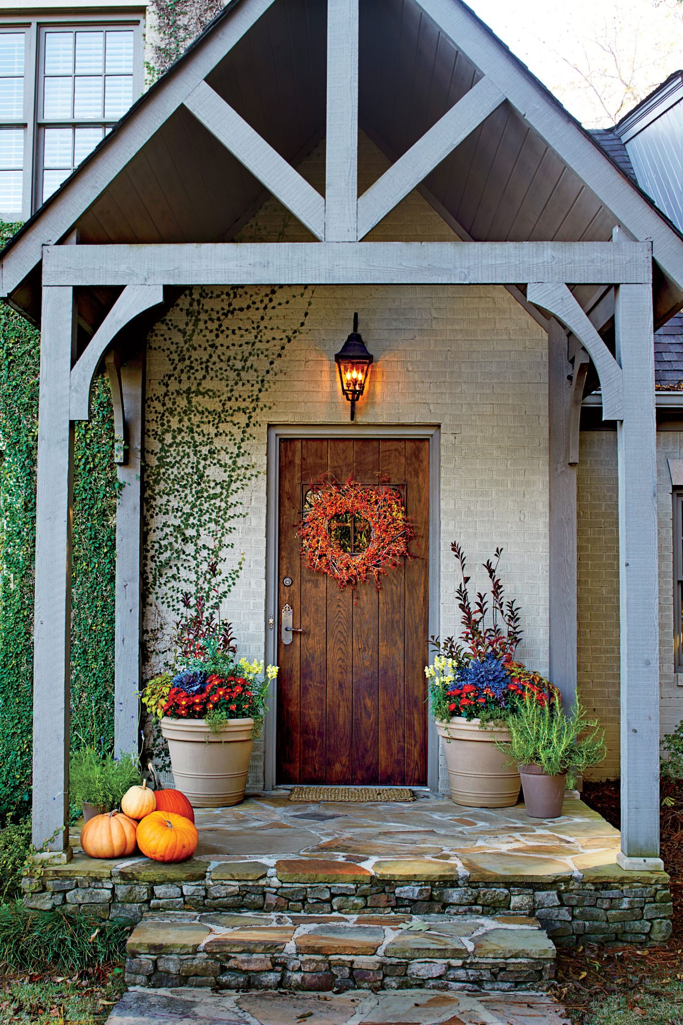16 ways to spice up your porch d cor for fall southern Small front porch decorating ideas for fall