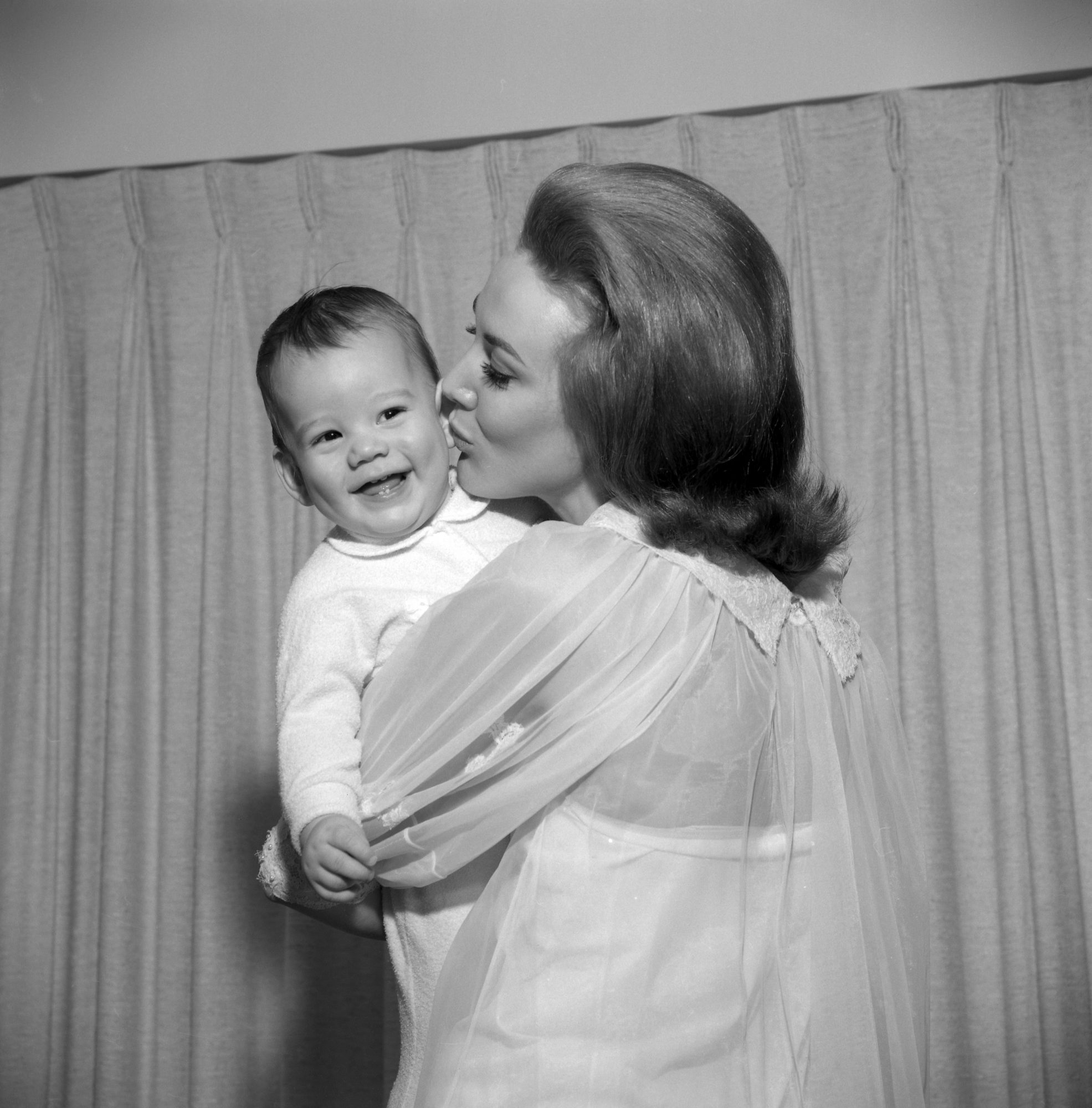 Mother's Day Poems to Show Your Love and Appreciation