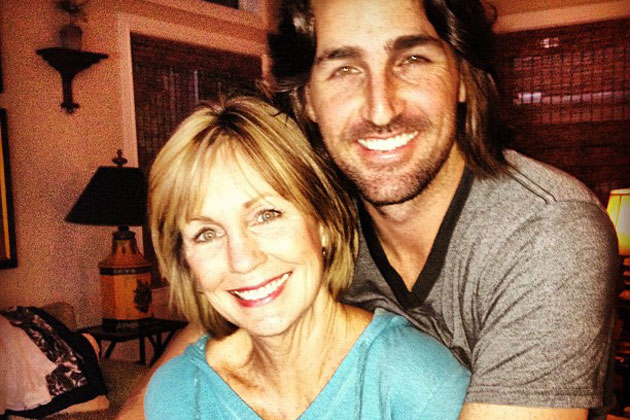 RX_1704_Celebrities and Their Moms_Jake Owen