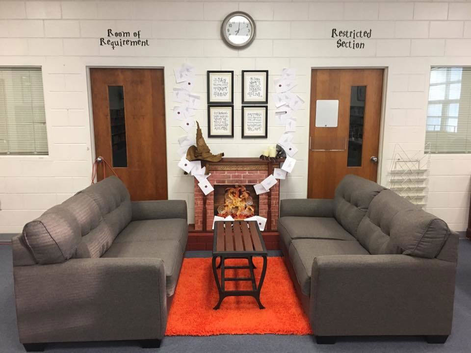 How these alabama teachers decorate their classrooms will - Living room decor images ...
