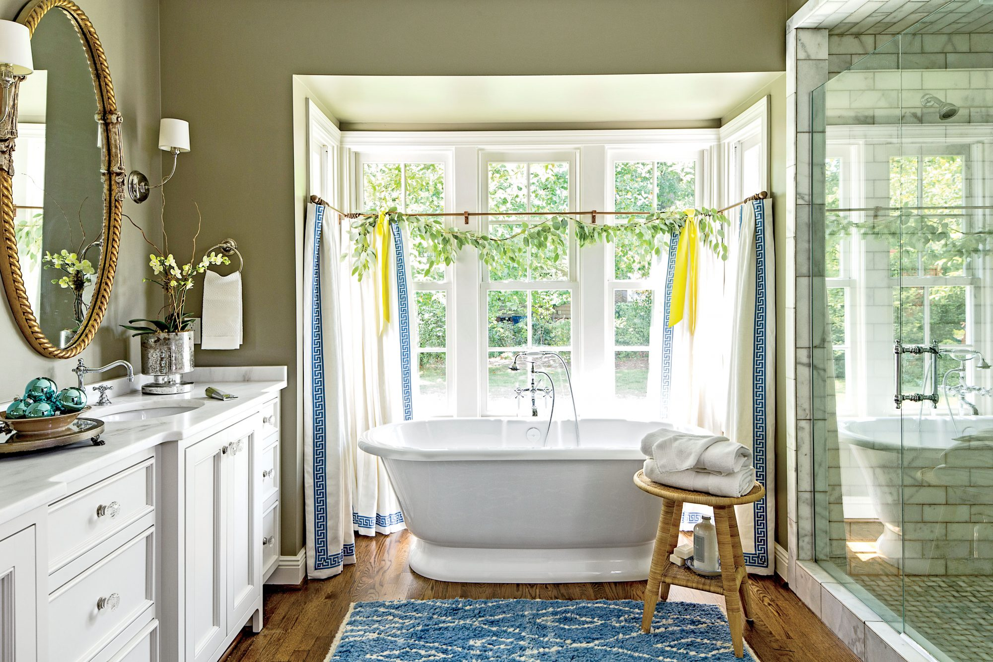 The 12 most relaxing bathtubs southern living for Tub styles