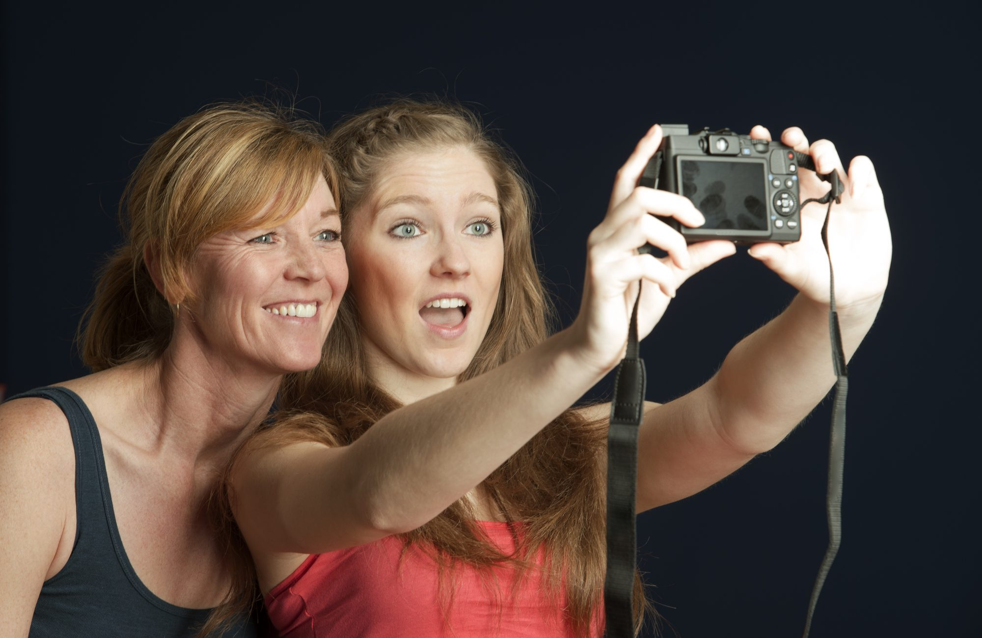mother daughter selfie