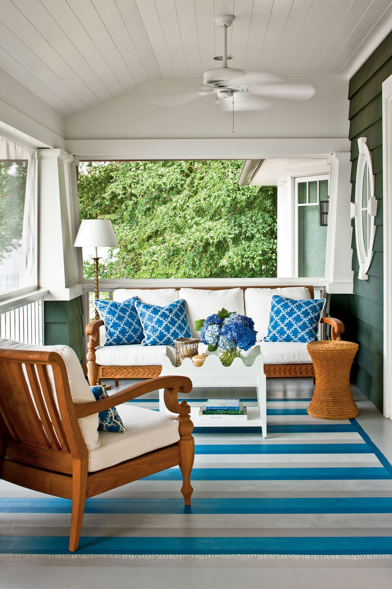 Outdoor Decorating Trends That Will Be In For Summer - Summer furniture