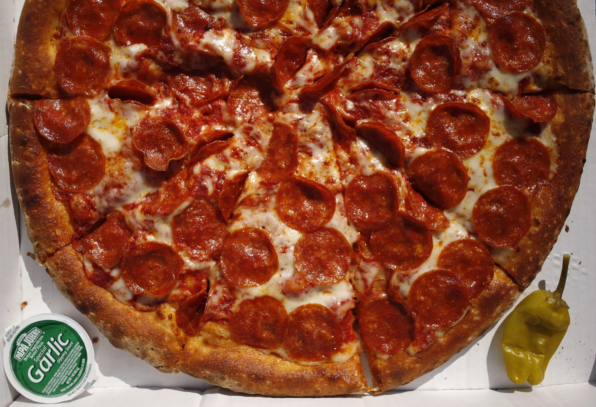 papa johns essay After news of williams' yale-worthy essay reached the desk of papa john's founder and ceo john schnatter, he came up with a plan to show williams a little customer appreciation in gratitude for her loyalty and hard work.