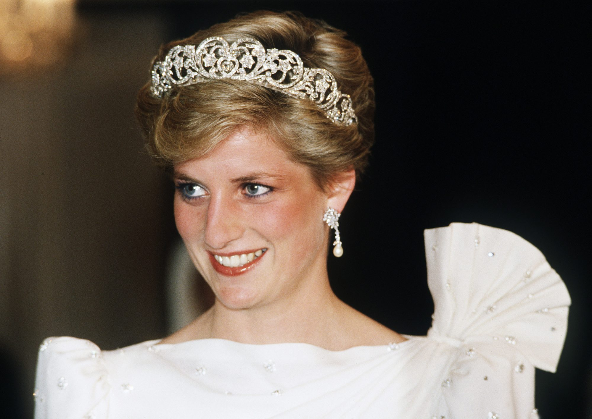 Princess Diana's Hairstylist Shares the Surprising Story Behind ...