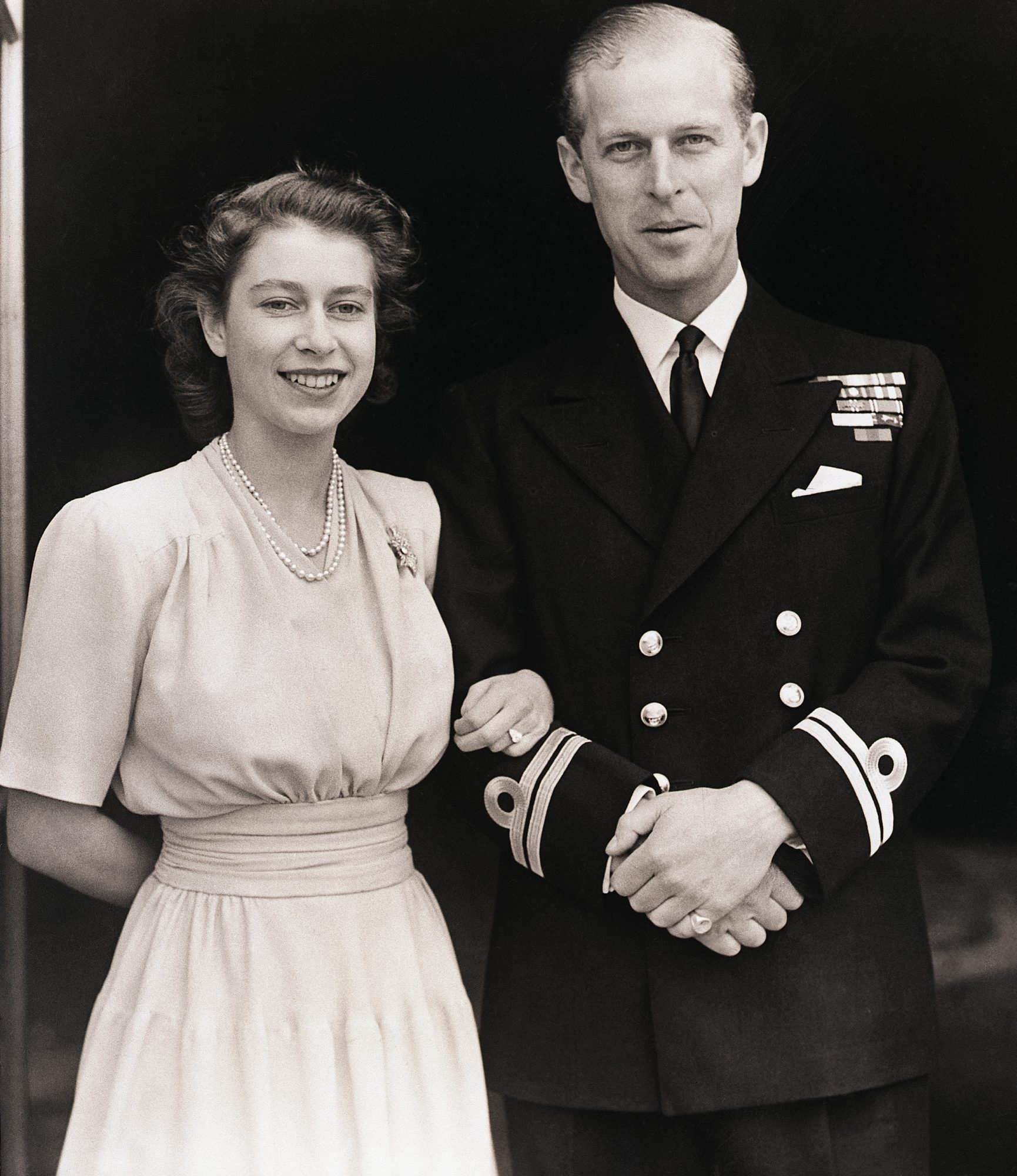 Here S The Sweet Story Behind Queen Elizabeth S Engagement Ring