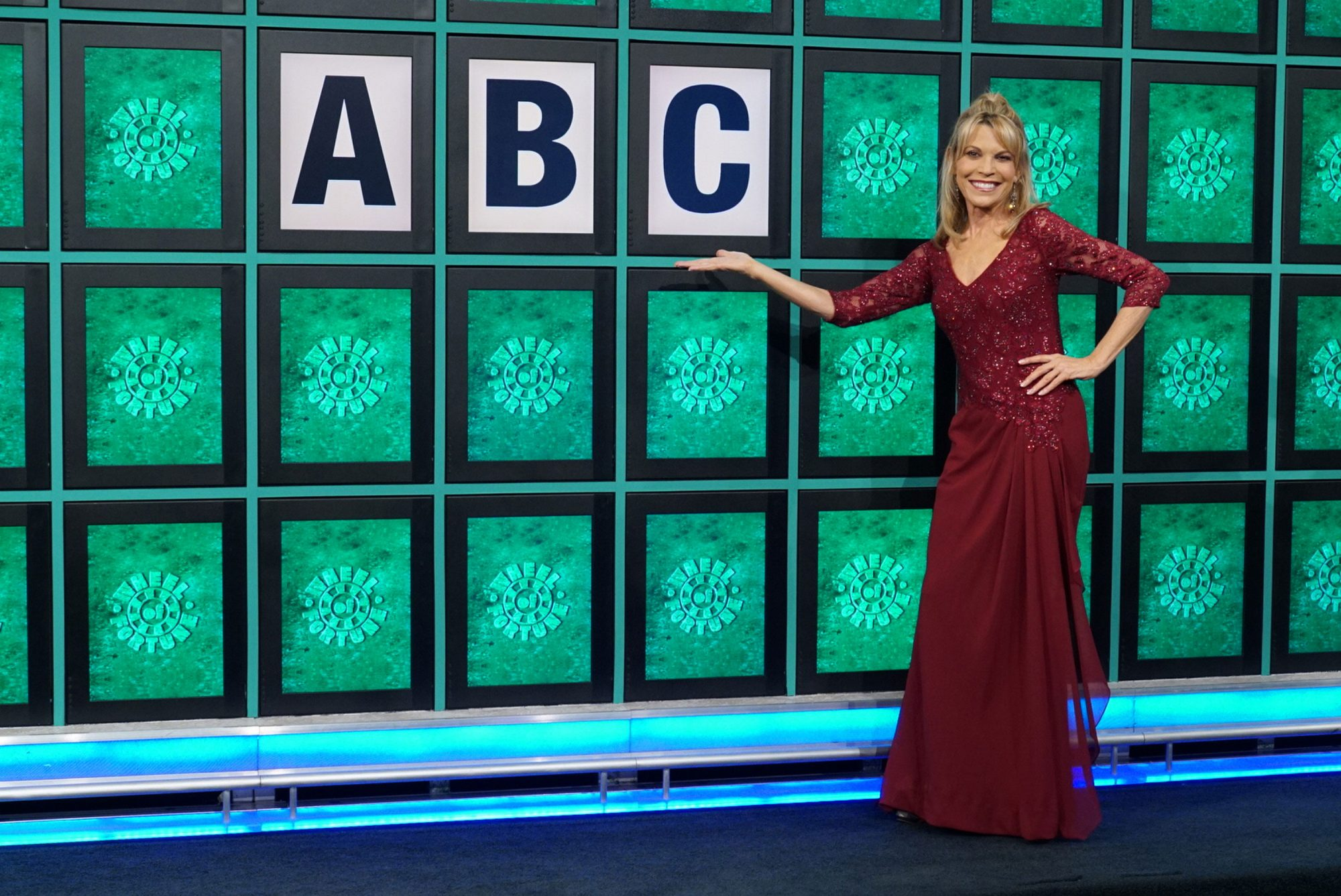 vanna white reveals the incredible things wheel of