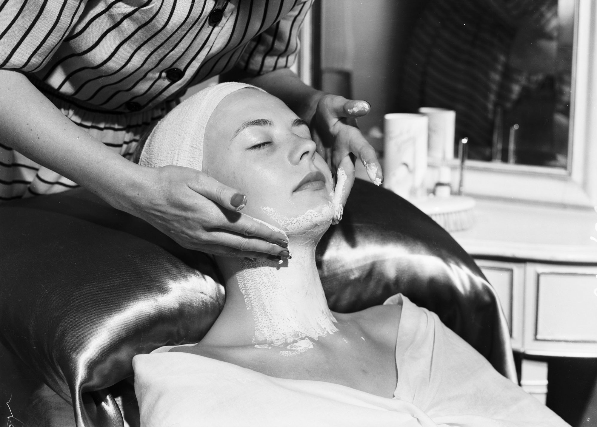 Vintage Woman Beauty Prep
