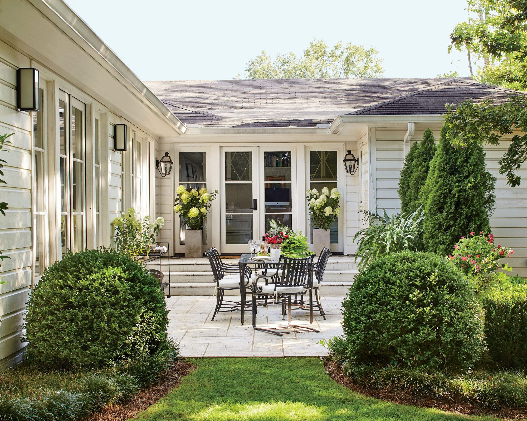 outdoor dining patio - Backyard Garden Ideas Before And After