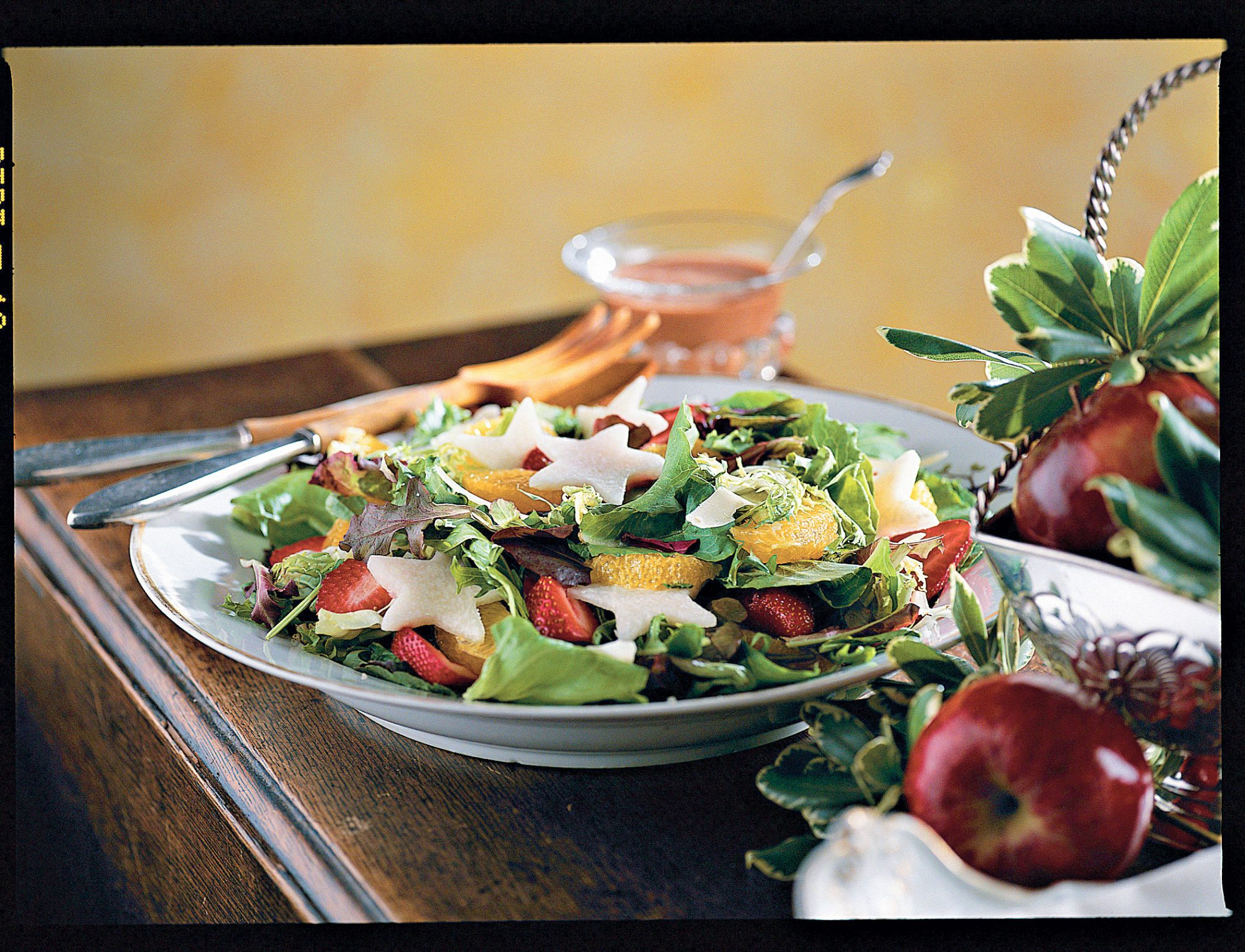 Cranberry-Strawberry-Jícama Salad