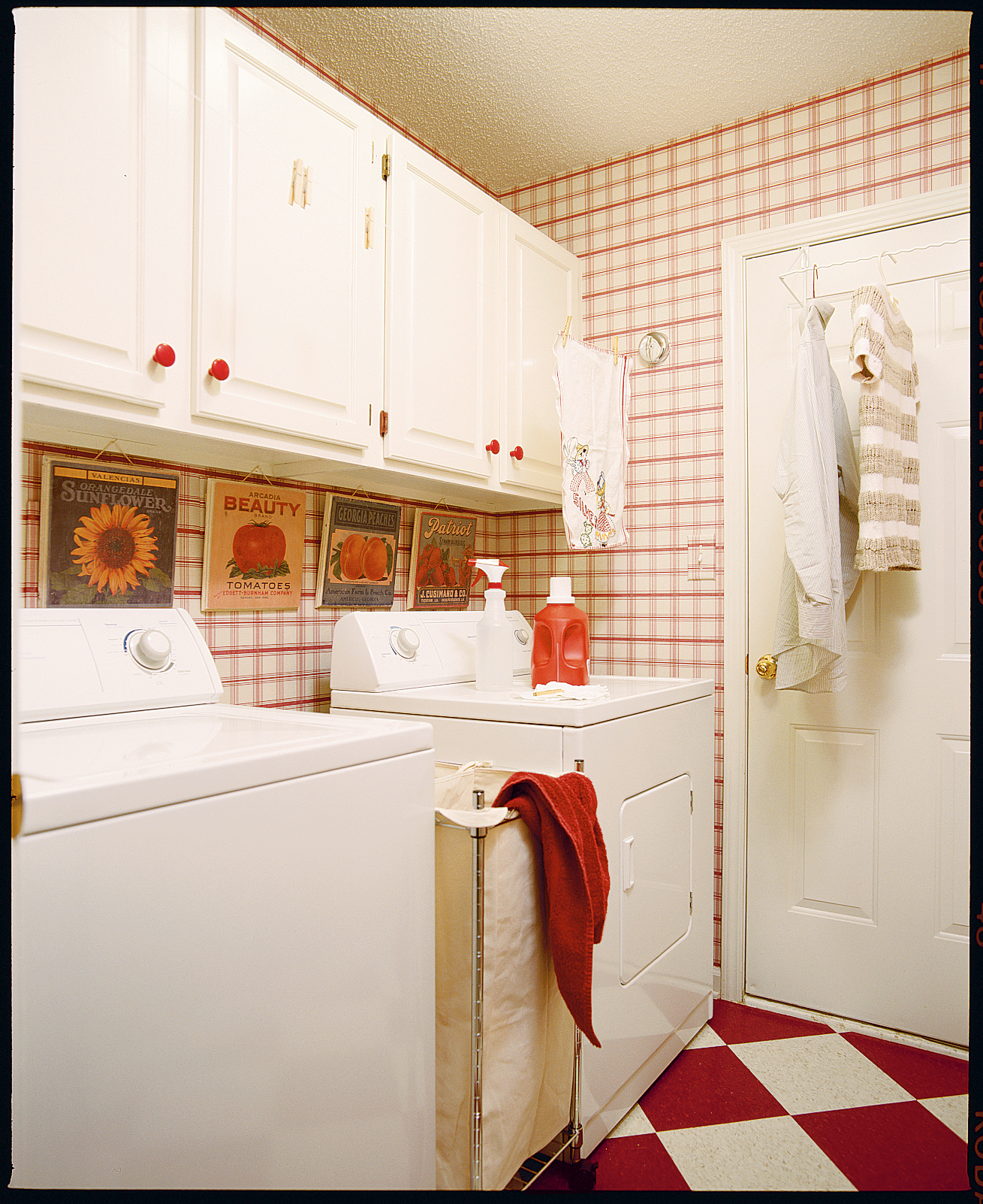Jazzed-Up Laundry Room-- Laundry room