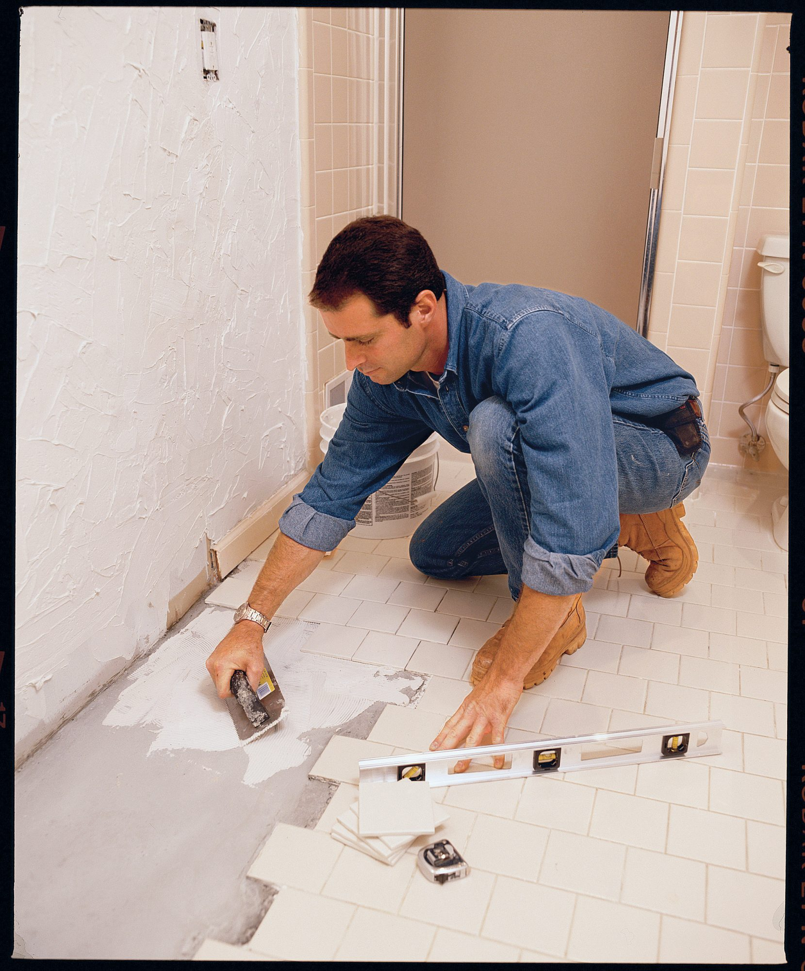 Home Tips: Finding the Right Handyman (image cluster)