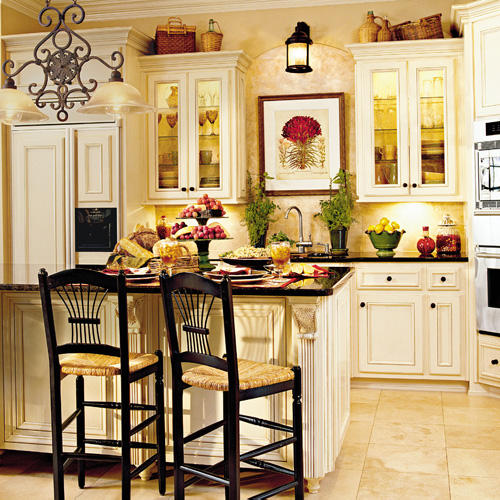 Classic comfort kitchen southern living for Classic house 2004
