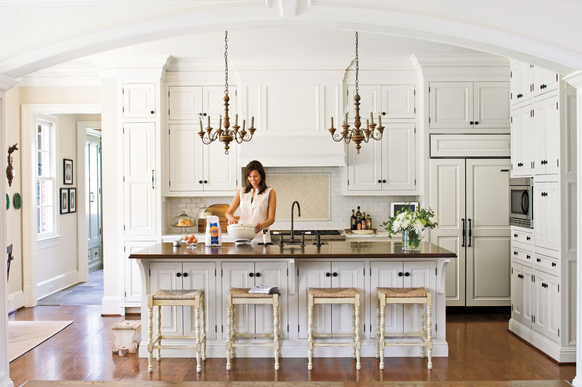All time favorite white kitchens southern living for Kitchen colors with white cabinets with mermaid outdoor wall art