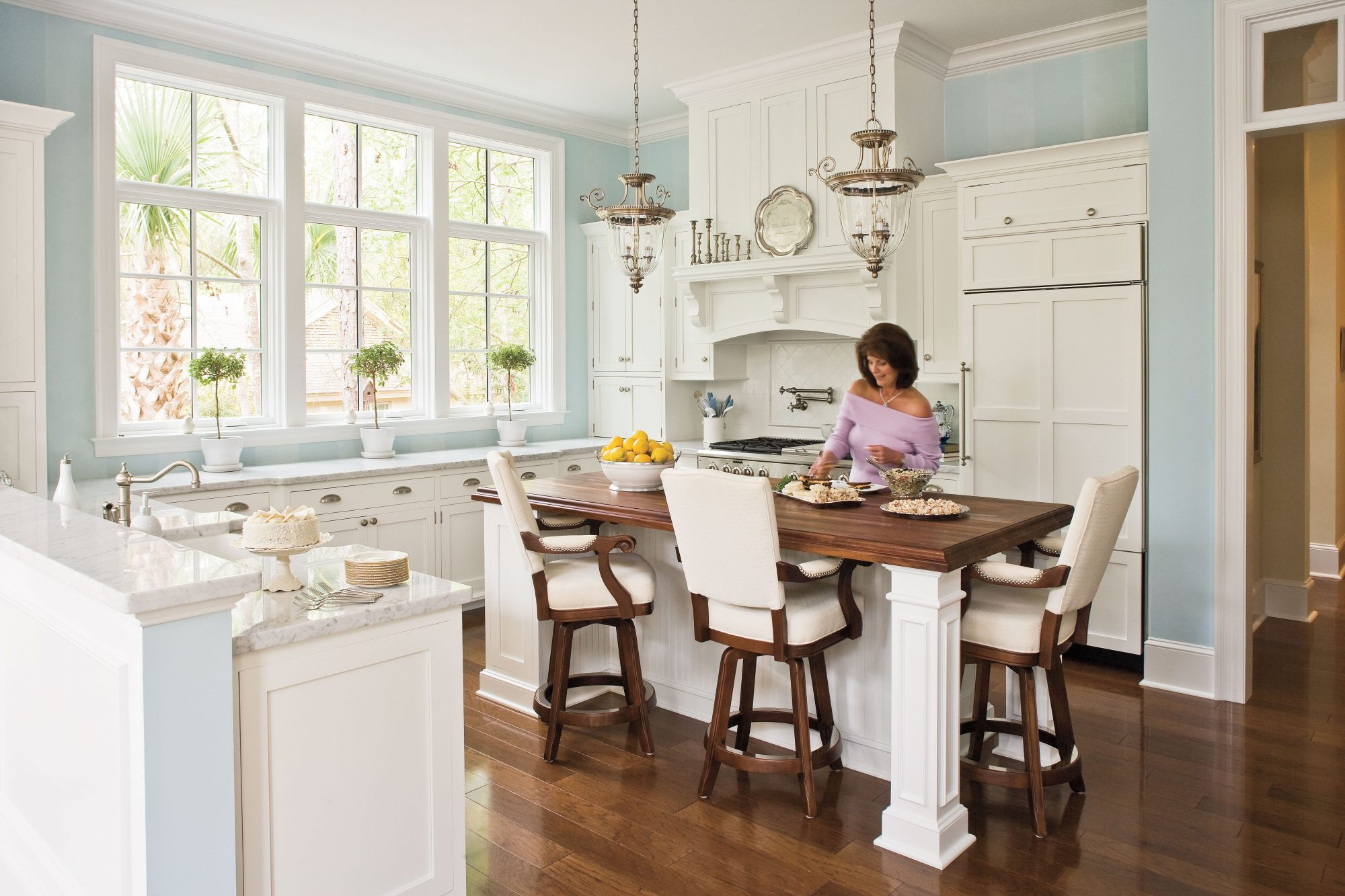 all time favorite white kitchens southern living rh southernliving com pictures of white kitchens with granite pictures of white kitchens with white floors
