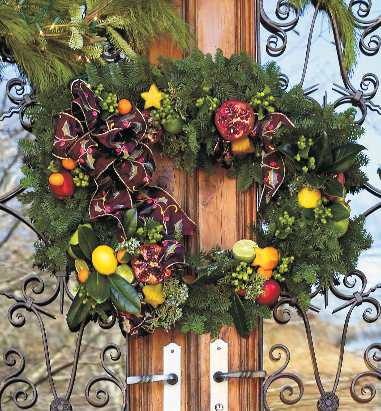 Christmas Decorating Ideas: TWo-Piece Wreath