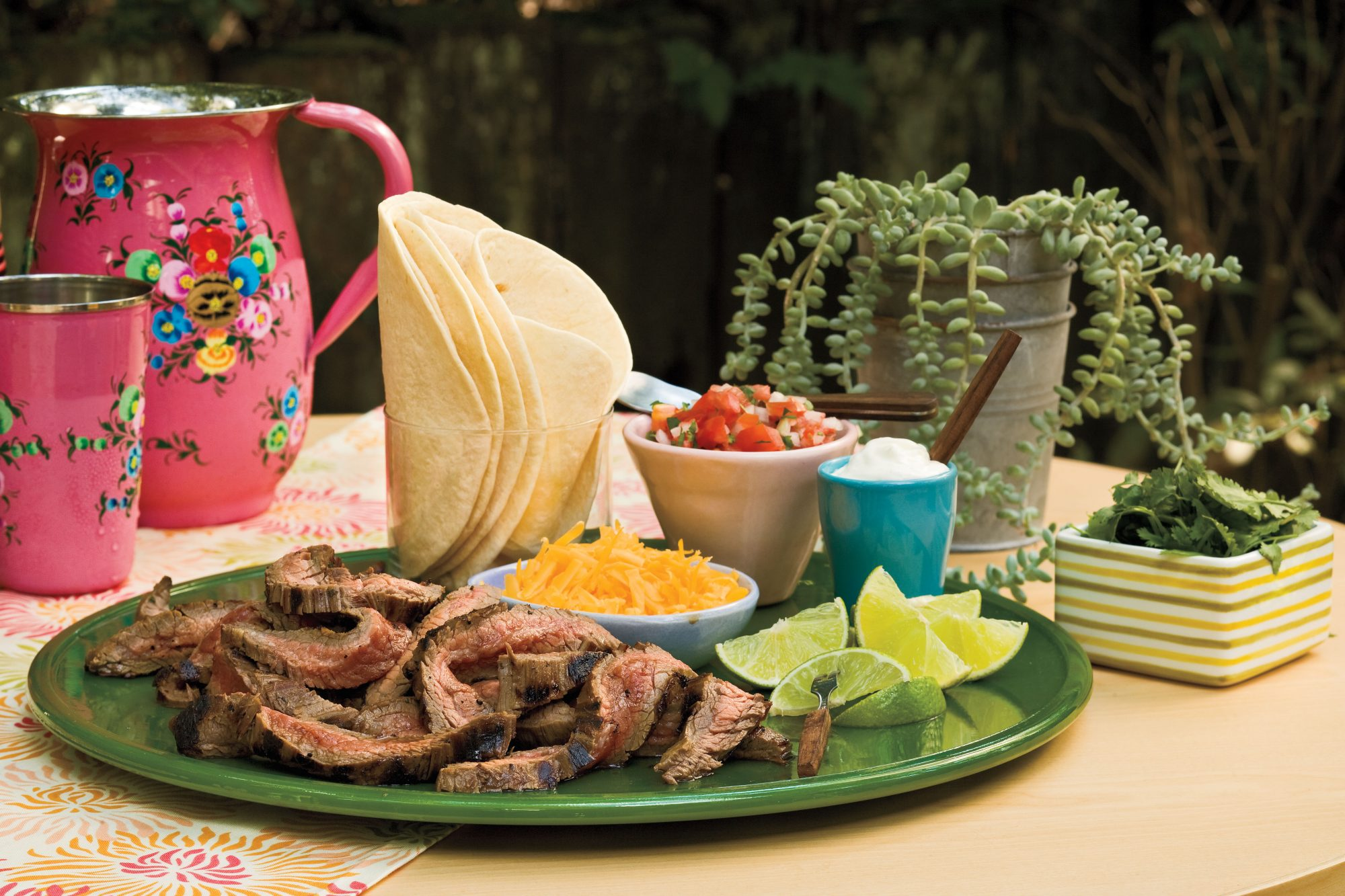 Quick and Easy Dinner Recipes: Beef Fajitas With Pico de Gallo