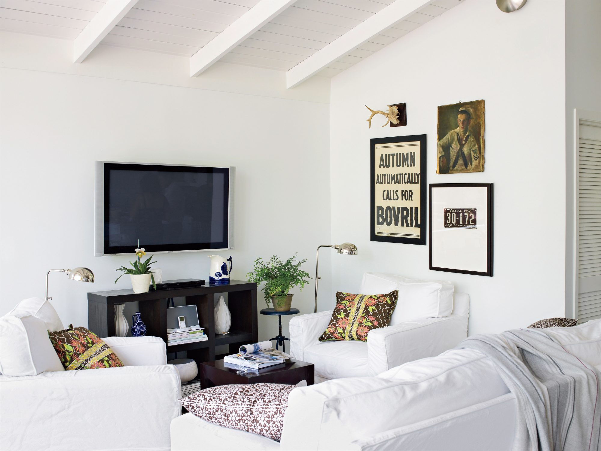 White Painted Home Decor: White Wash