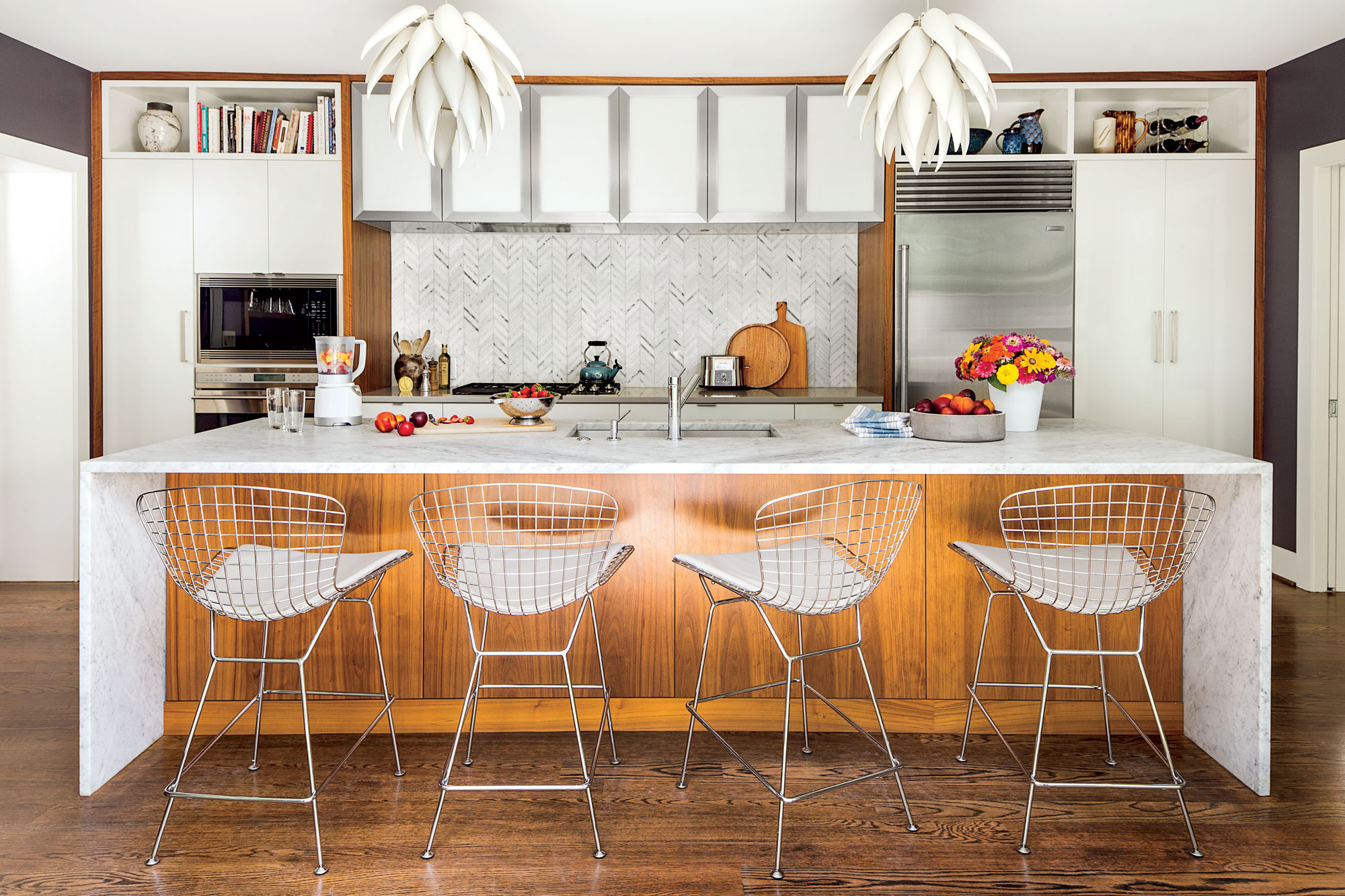 wood and white rancher kitchen