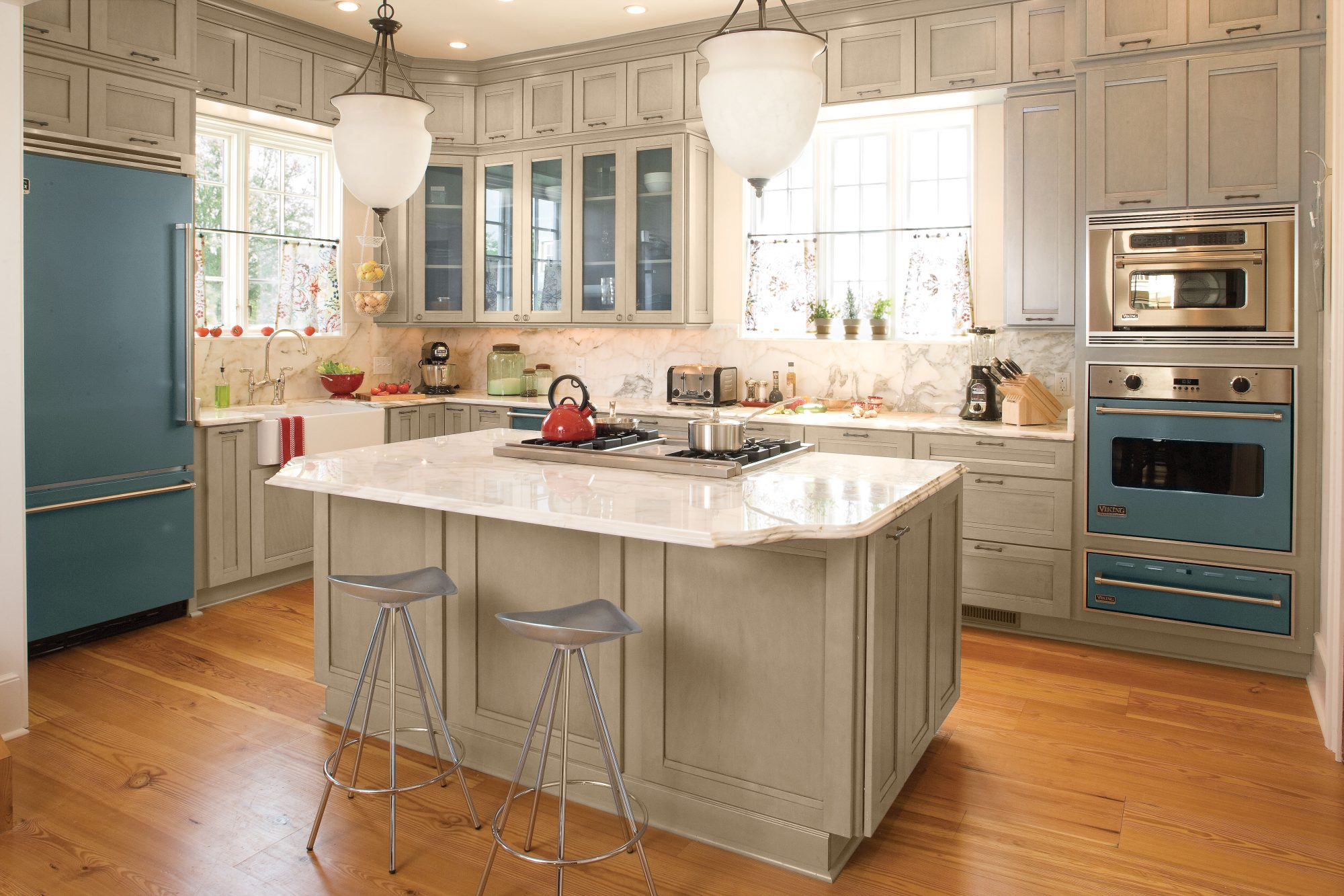 kitchen triangle design with island kitchen layouts and essential spaces southern living 8676