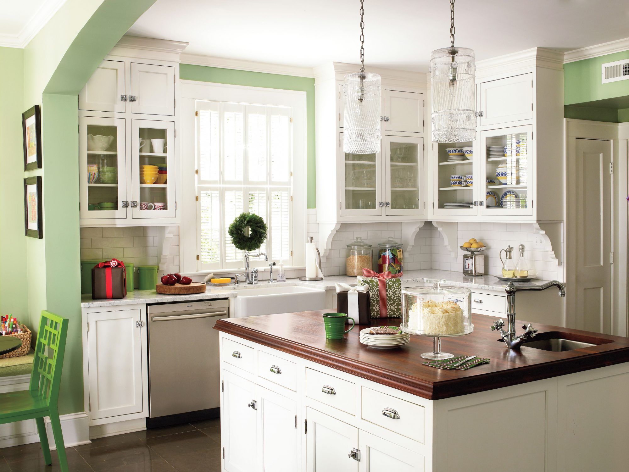 classic materials stylish vintage kitchen ideas   southern living  rh   southernliving com