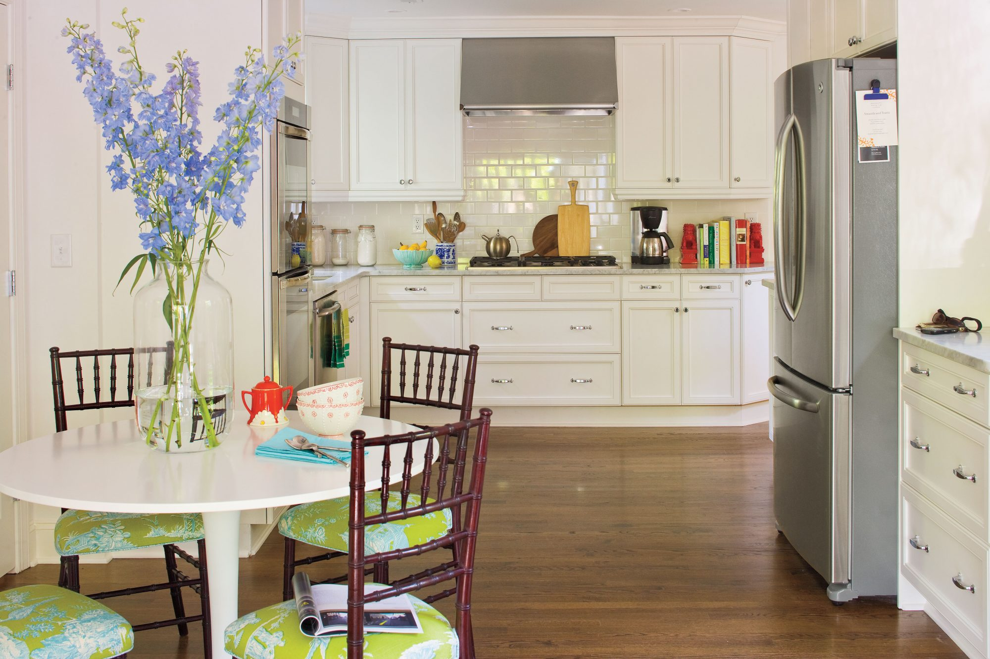 Kitchen Design Ideas: Weekly Fresh Flowers